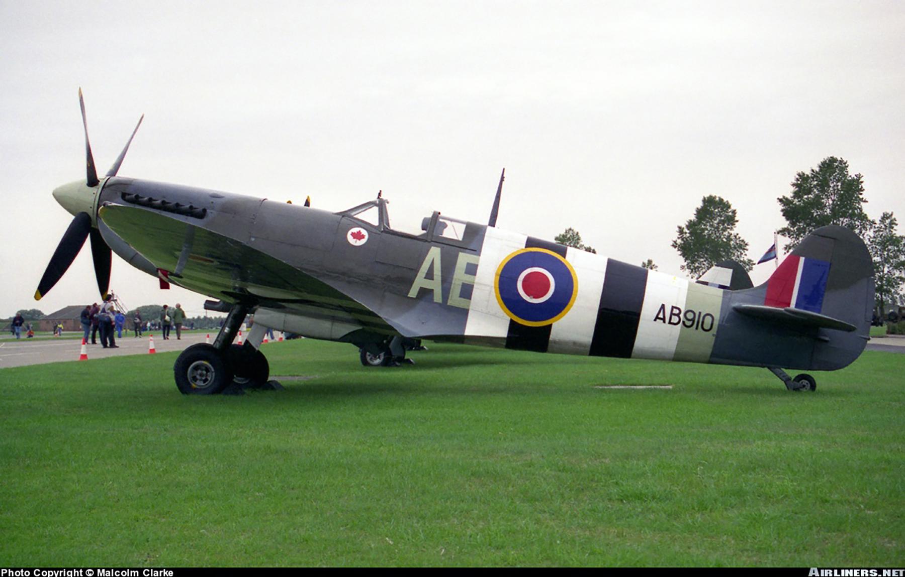 Airworthy Spitfire warbird RCAF AE AB910 01