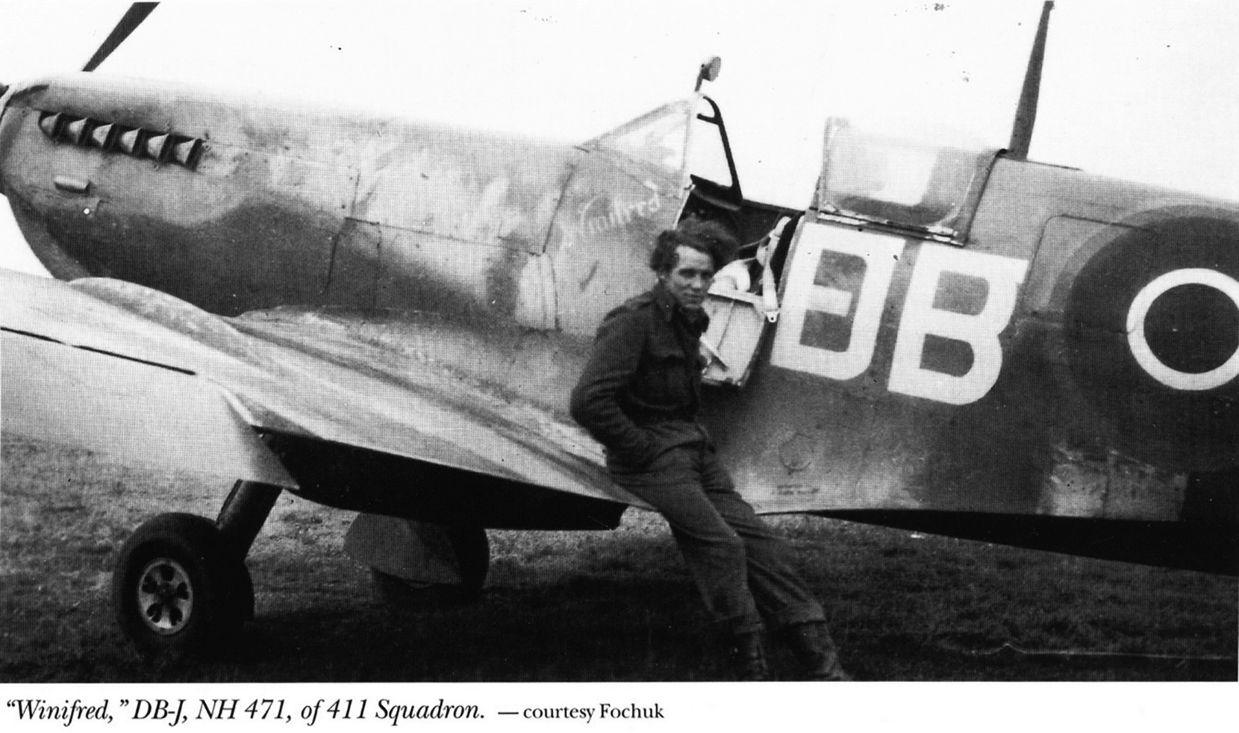 Spitfire LFIX RCAF 411Sqn DBJ NH471 ex132S FFC Dec 1944 01