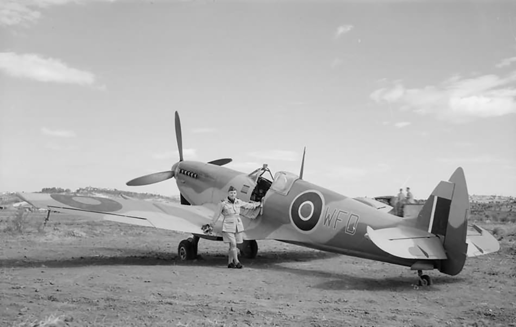 Spitfire LFVIII WFD JF814 Air Vice Marshal William Forster Dickson personal ac Italy 1943 01