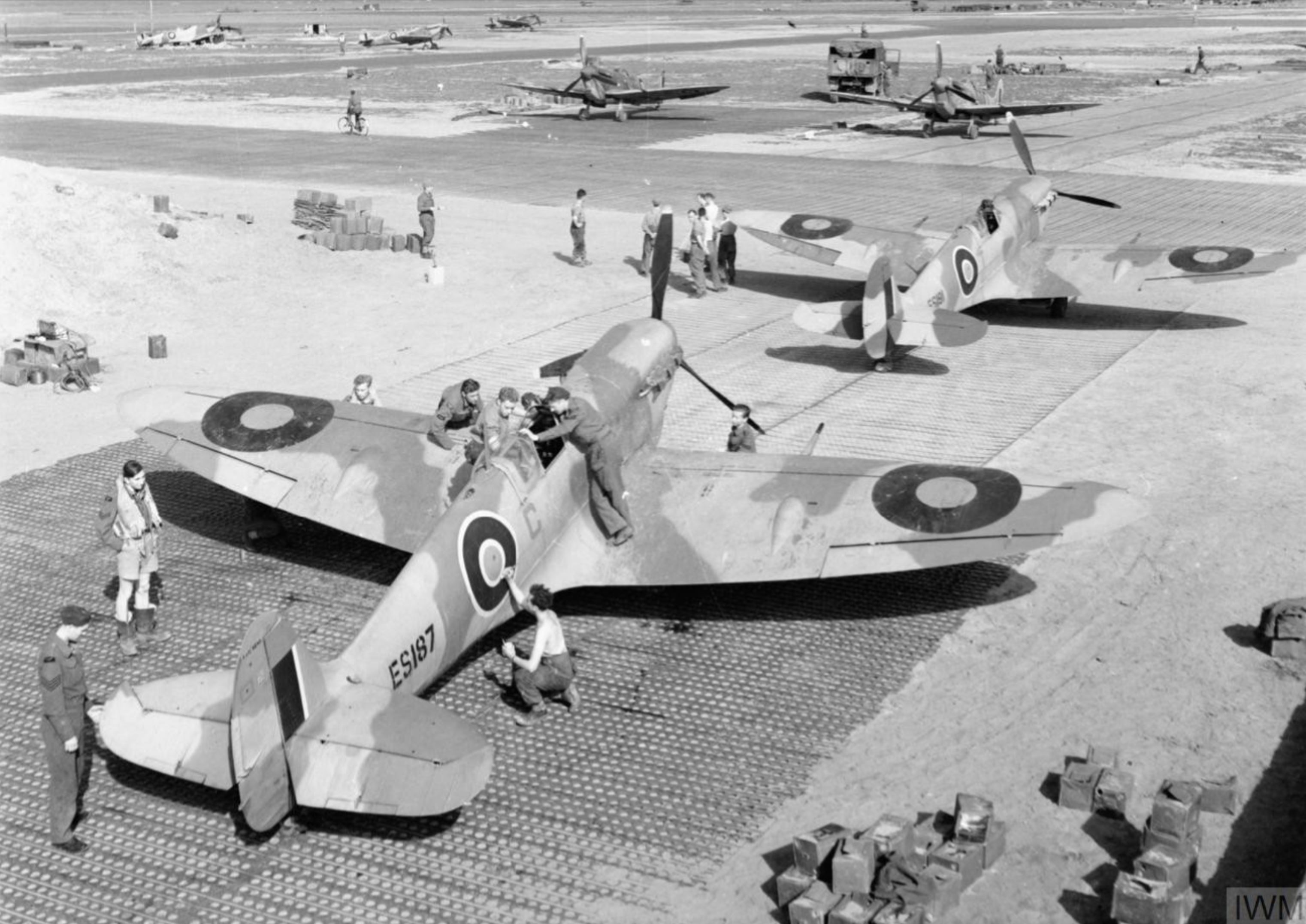 Spitfire MkVb RAF 322 Wing C ES187 and T ES191 at Tingley Algeria IWM CNA278