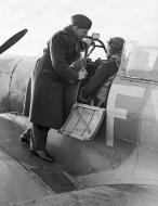 Asisbiz Aircrew RAF Biggin Hill Wing Commander AG Malan with SqnLdr Hugo Armstrong 2nd Jan 1943 01