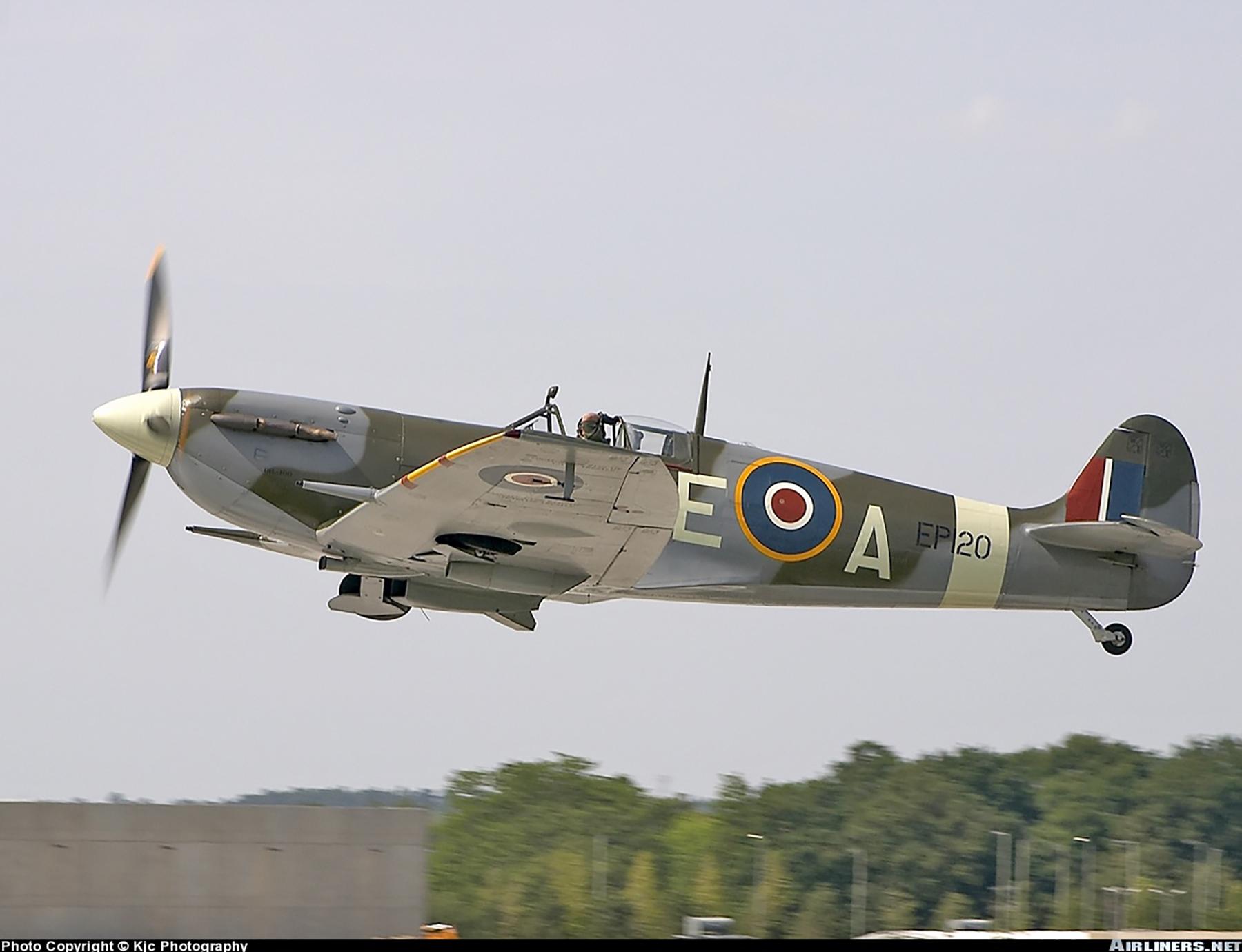 Airworthy Spitfire warbird LFVb RCAF 402Sqn AEA EP120 04