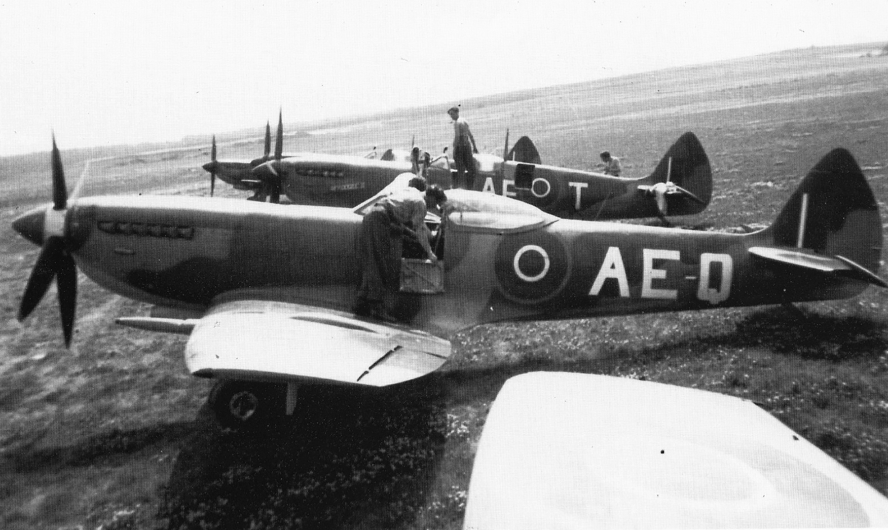 Spitfire XVI RCAF 402Sqn AEQ and AET named Refoogee II 1945 01