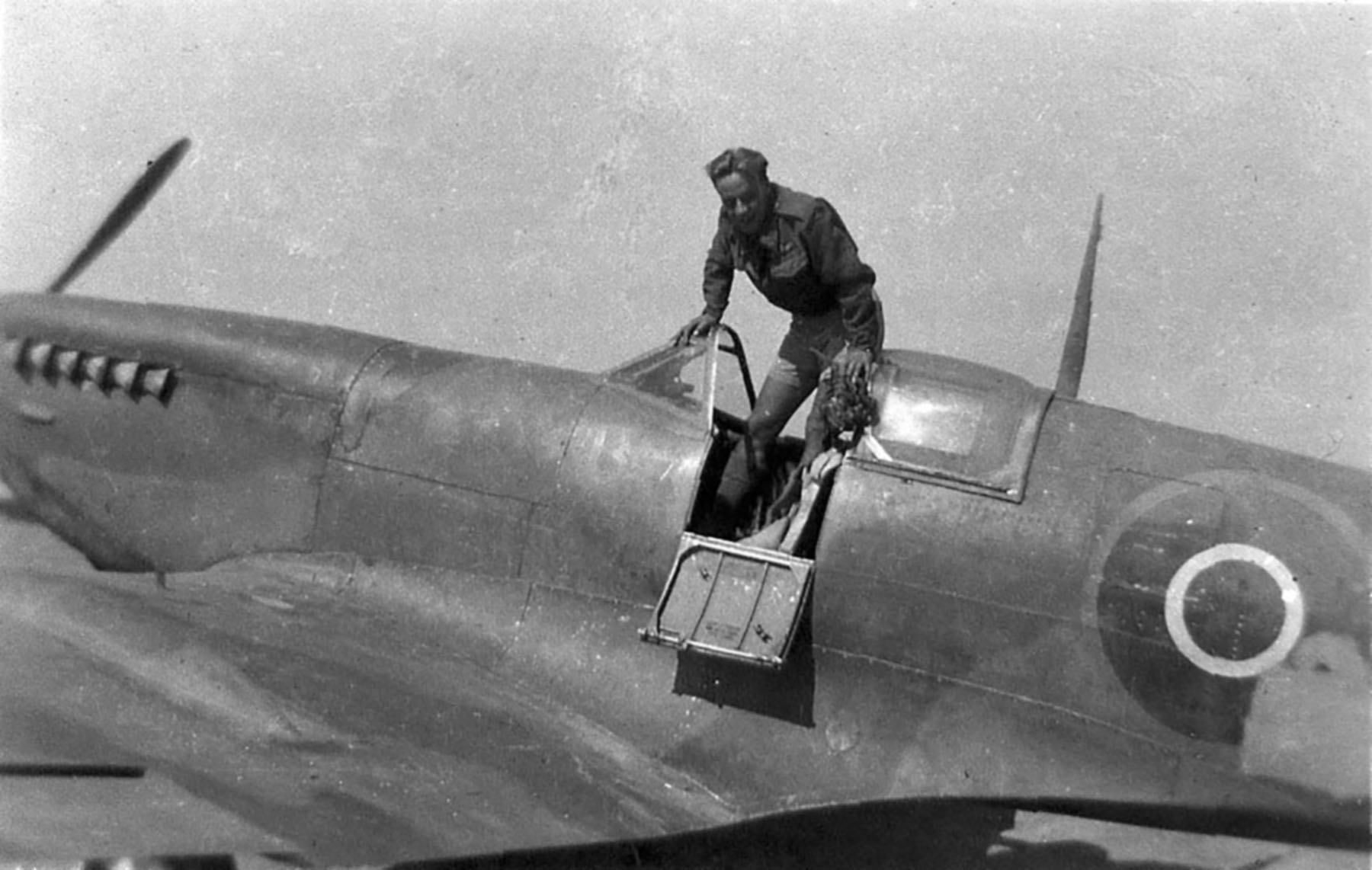 Spitfire LFIX RCAF 412Sqn VZS Griffin Young who was shot down by flak France Aug 13th 1944 01