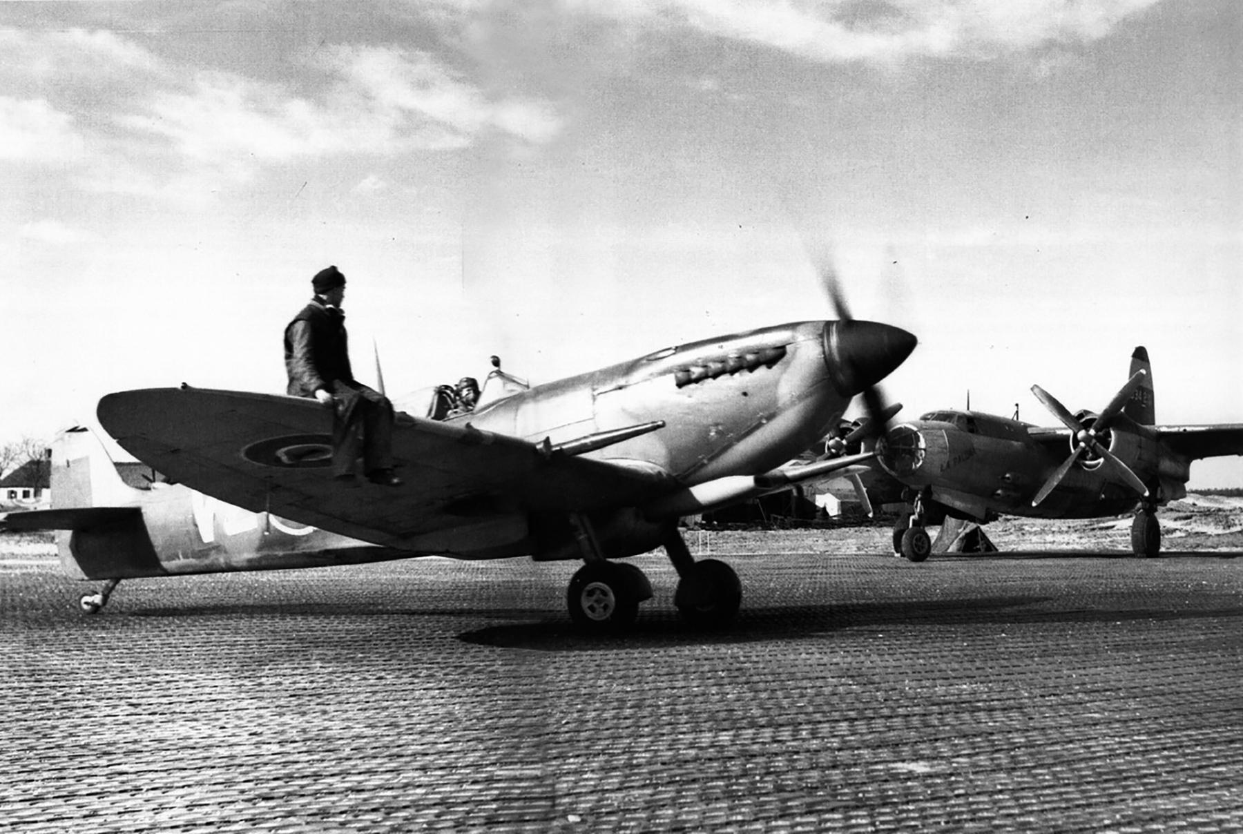 Spitfire MkIX RCAF 412Sqn VZR Heesch Netherlands 22nd Mar 1945 01