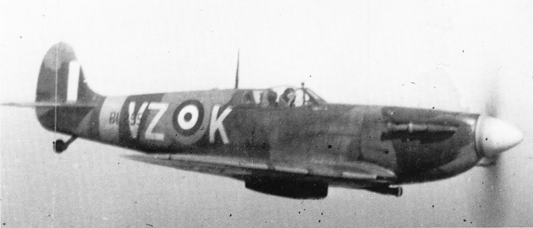 Spitfire MkVb RCAF 412Sqn VZK BL259 Digby England Dec 1941 01