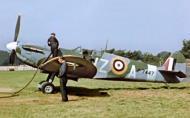Asisbiz Spitfire MkIIa RCAF 412Sqn VZA at Digby Lincolnshire 1941 IWM