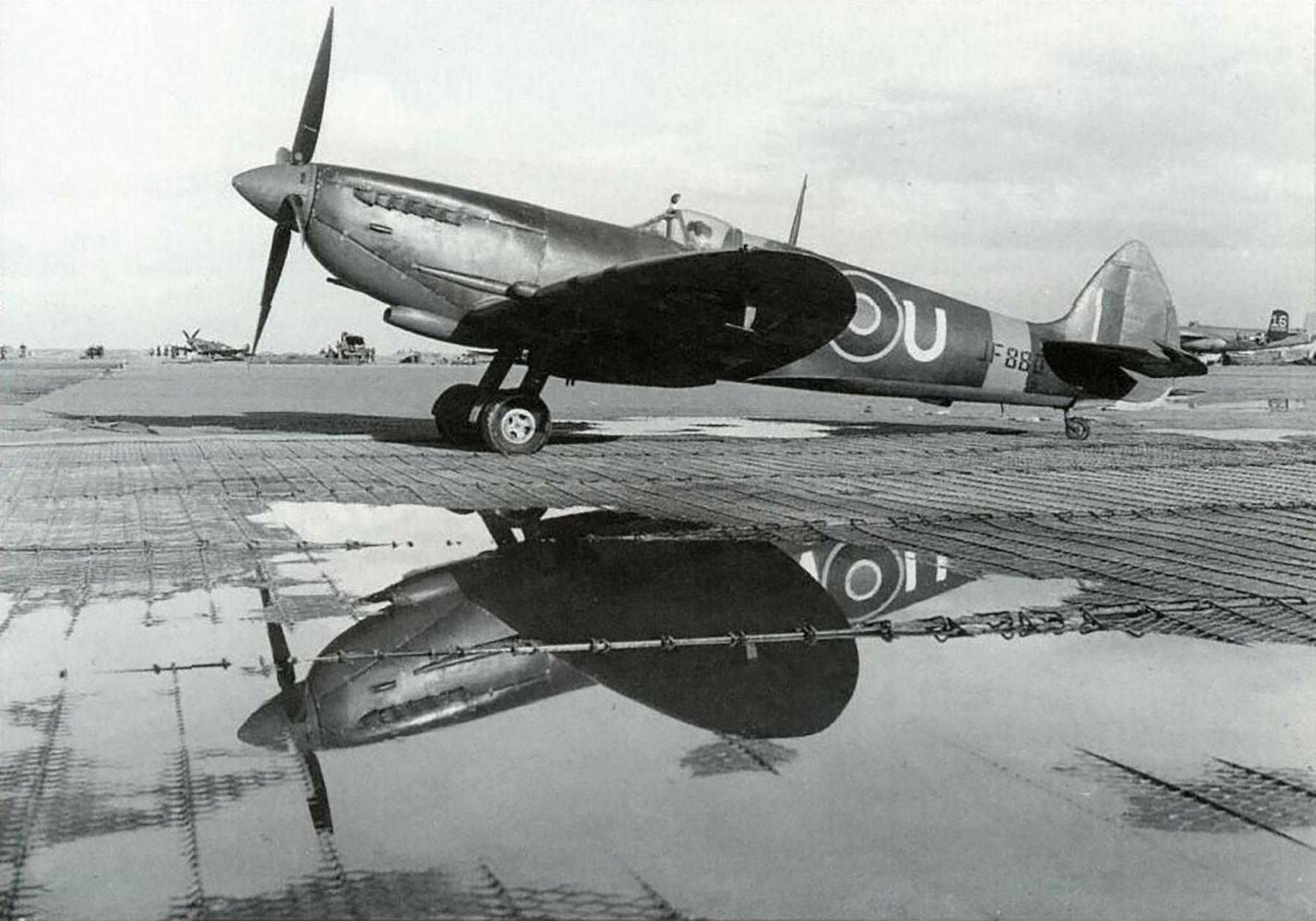 Spitfire LFVIII RCAF 417Sqn ANU JF880 02
