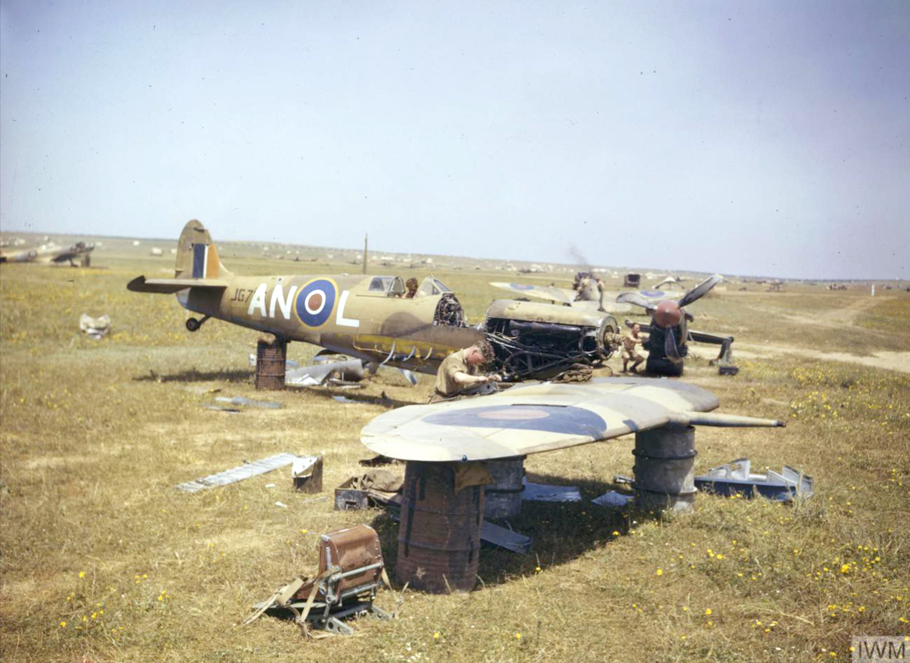 Spitfire MkIX RCAF 417Sqn ANL JG726 at Gabes Tunisia 19 Apr 1943 IWM TR1009