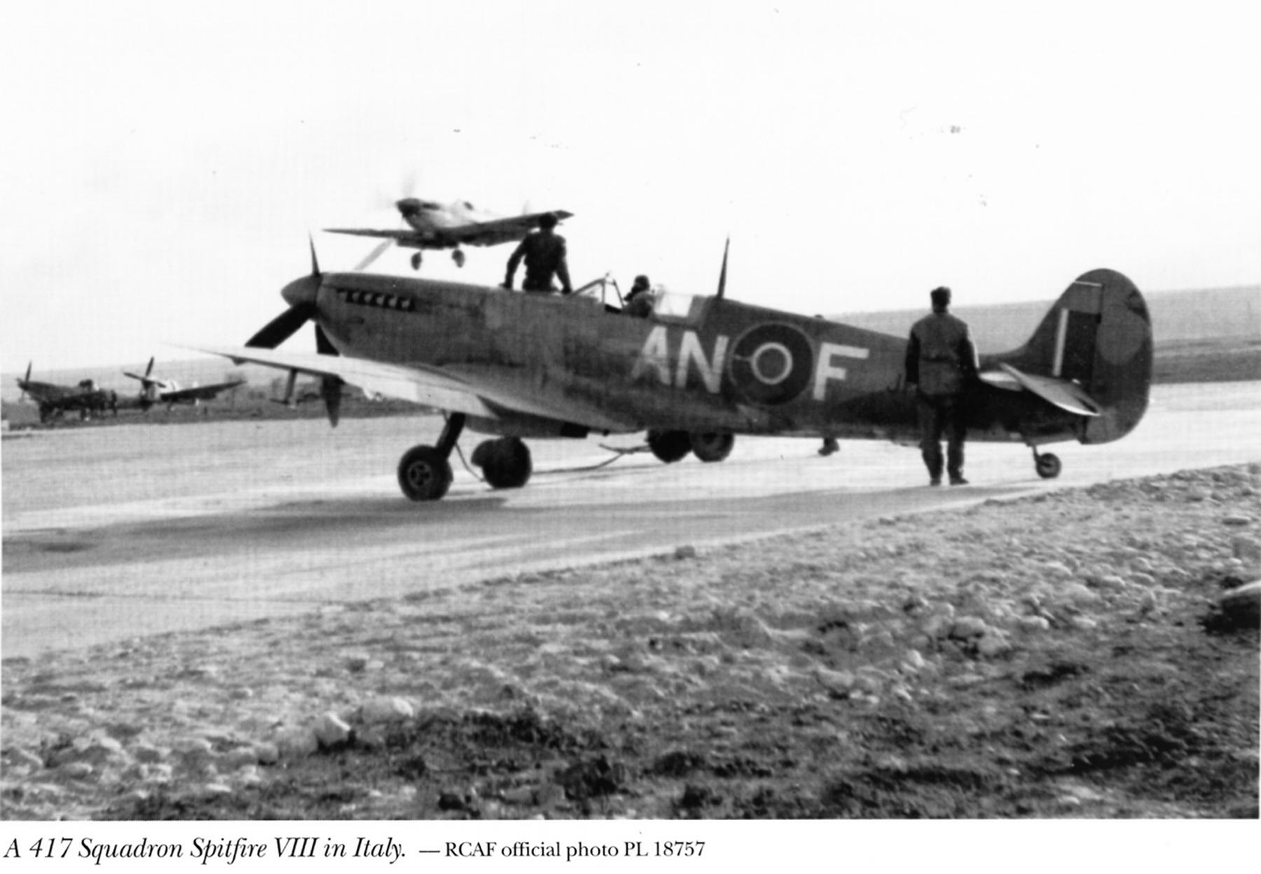Spitfire MkVIII RCAF 417Sqn ANF Italy 1944 01