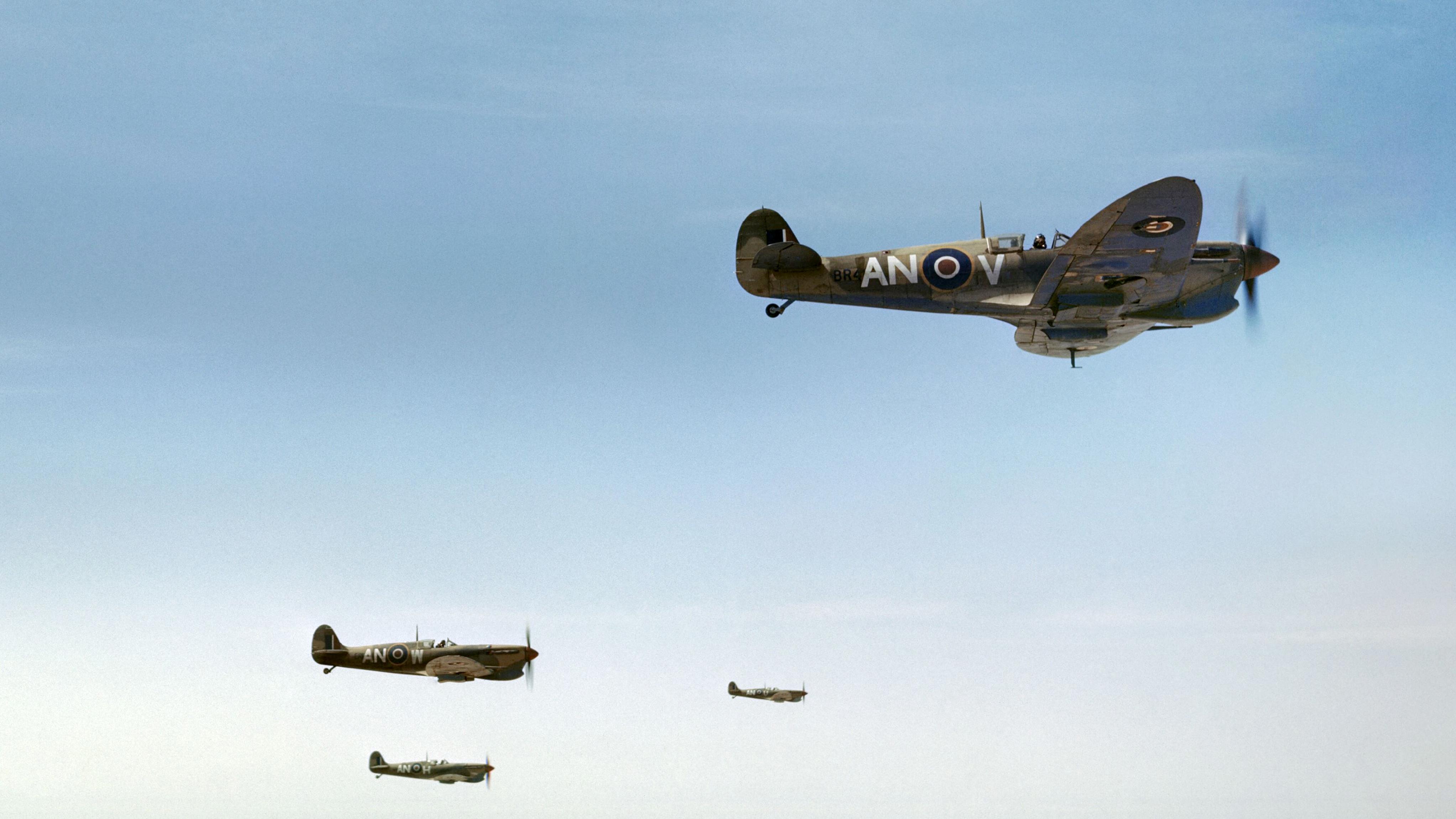 Spitfire MkVbTrop RCAF 417Sqn ANV ANW ANH ANU over Tunisia Apr 1943 IWM TR8286