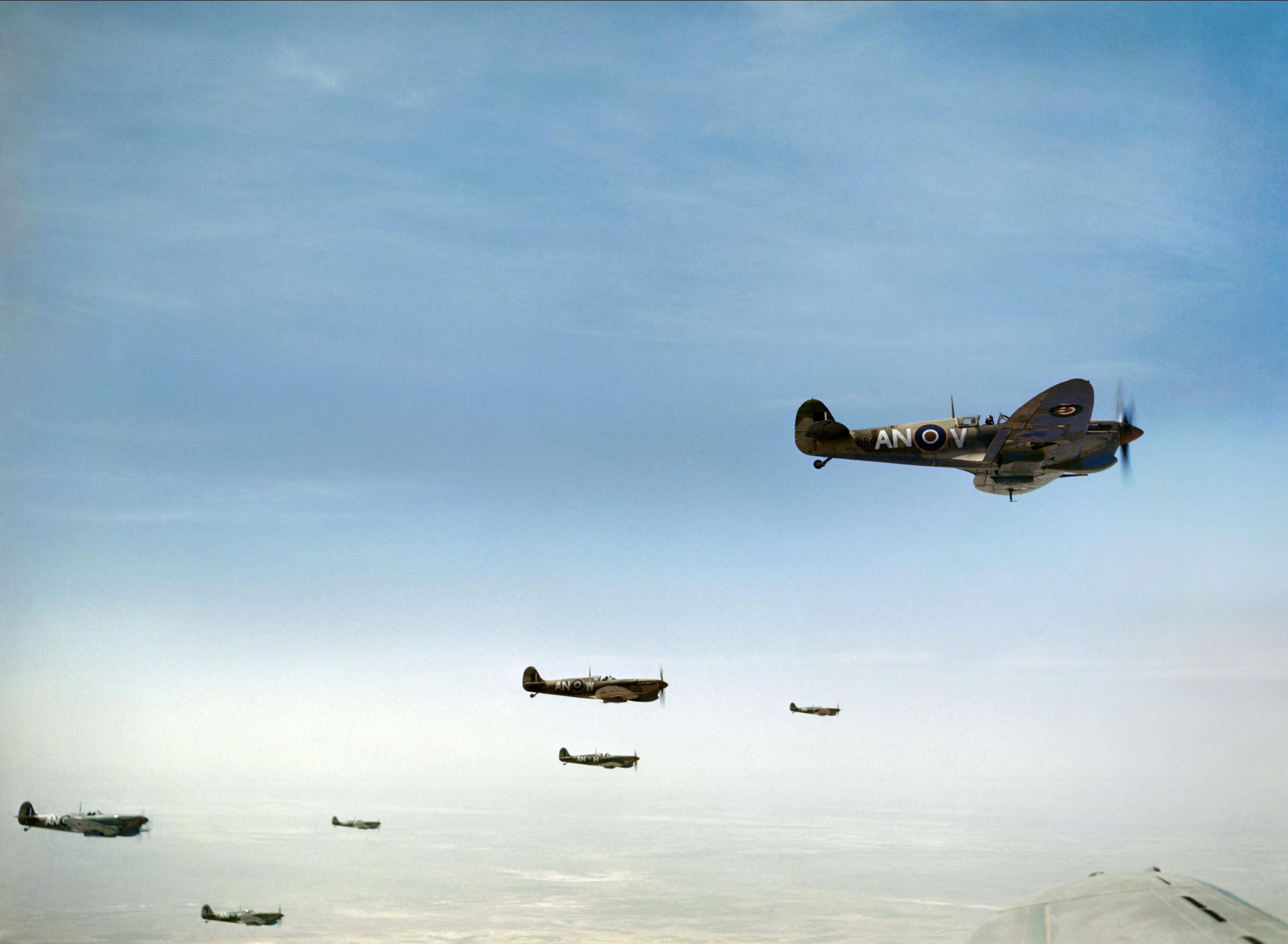Spitfire MkVbTrop RCAF 417Sqn ANV ANW over Tunisia Apr 1943 IWM TR8286
