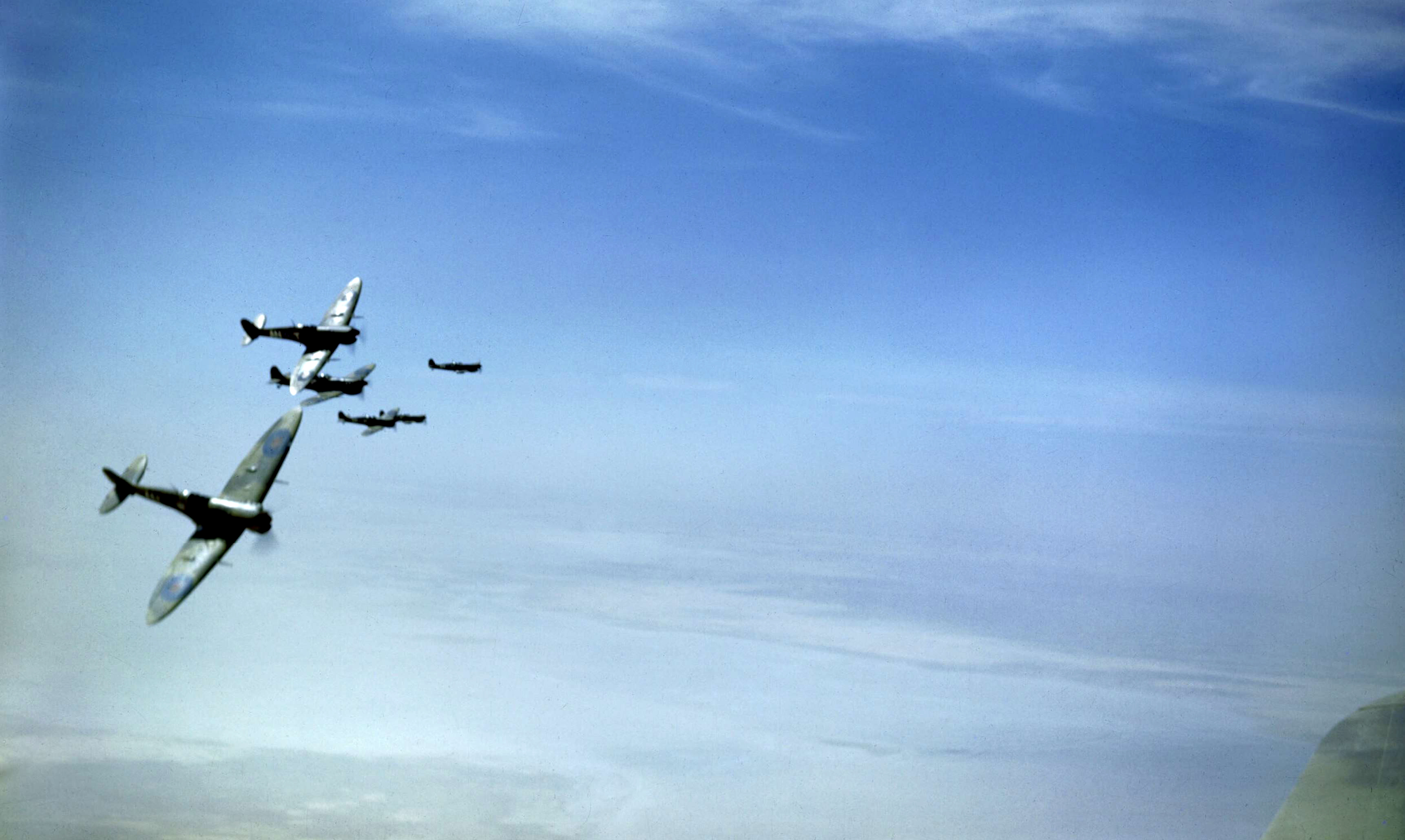 Spitfire RCAF 417Sqn ANY provide top cover for Allied bombers Tunisia May 1943 IWM TR857