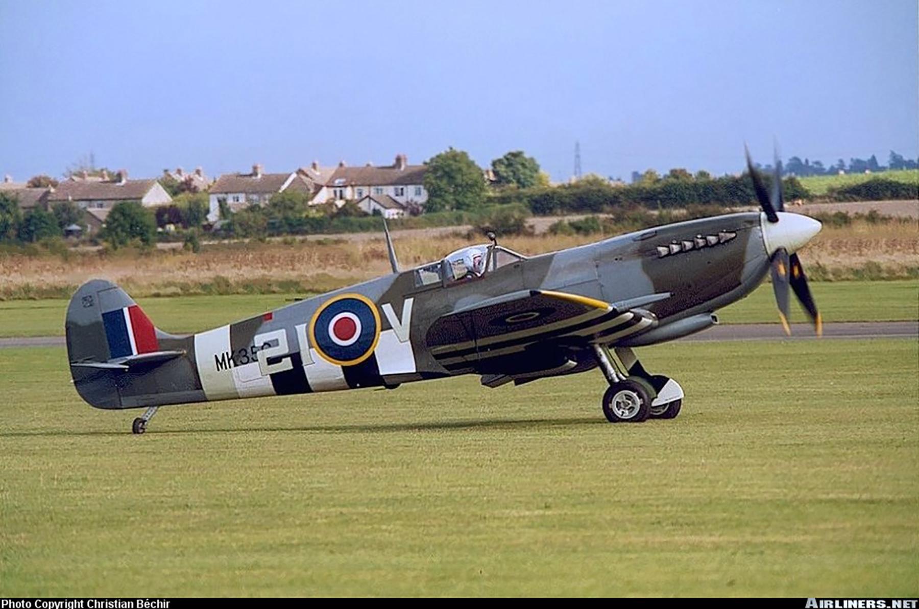 Airworthy Spitfire warbird MkIXe RCAF 443Sqn 2IV MK356 02
