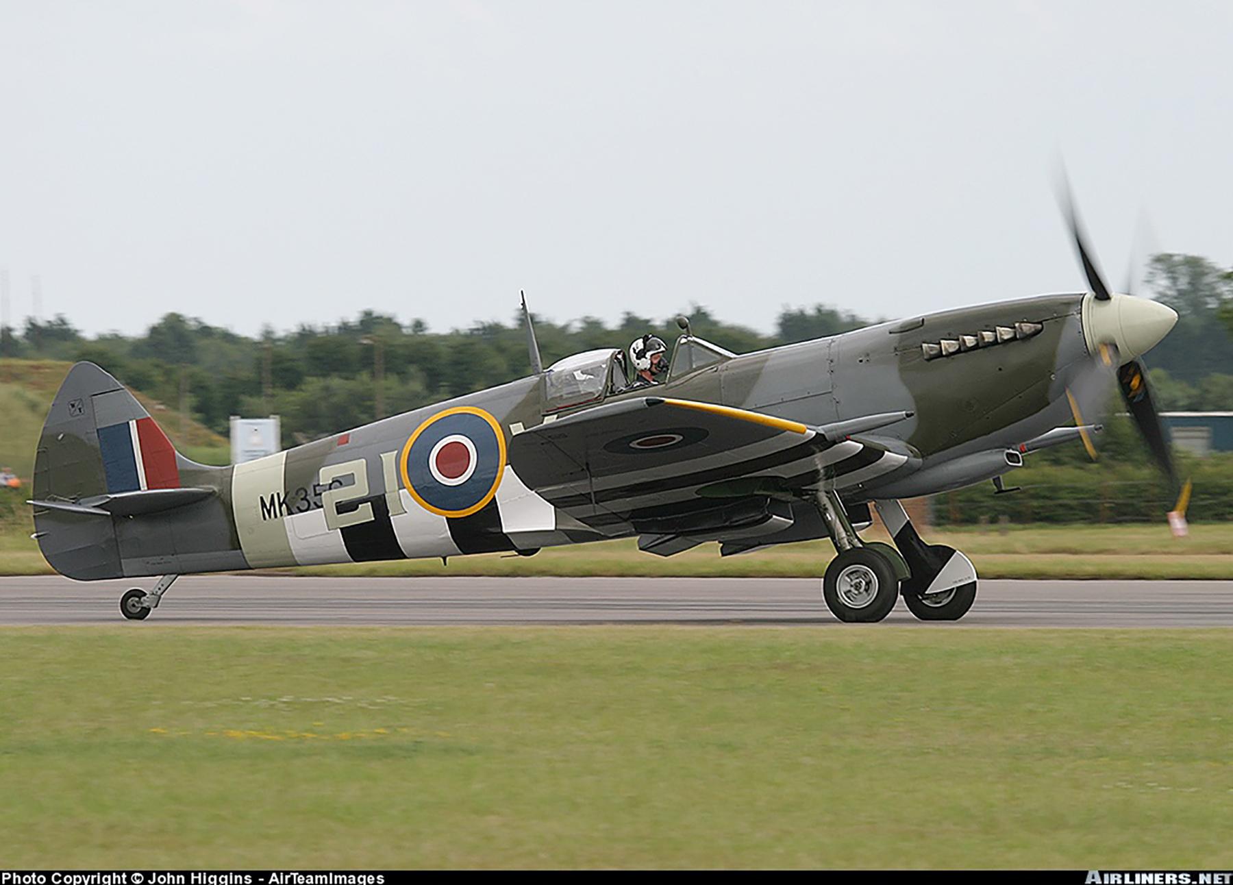 Airworthy Spitfire warbird MkIXe RCAF 443Sqn 2IV MK356 04