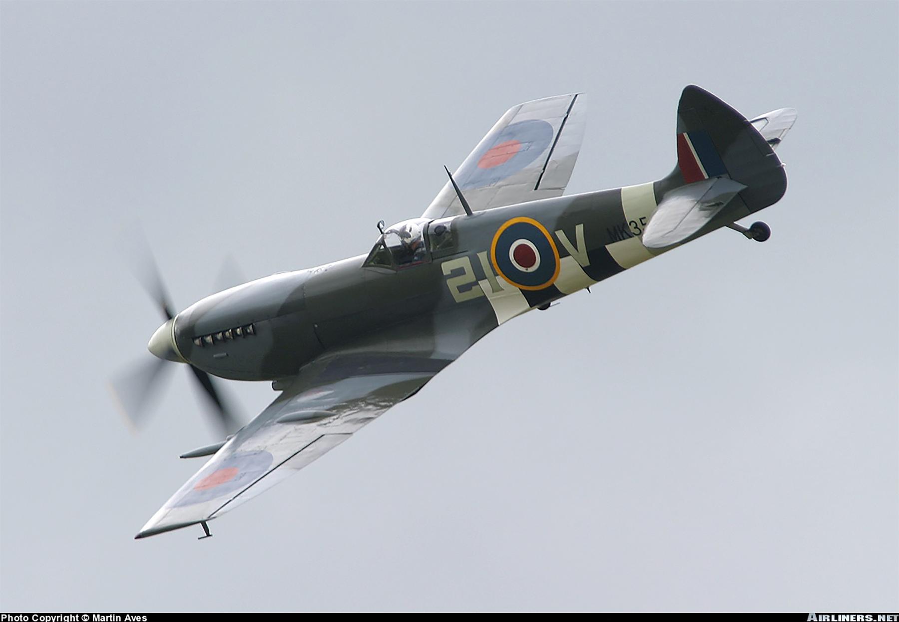 Airworthy Spitfire warbird MkIXe RCAF 443Sqn 2IV MK356 07