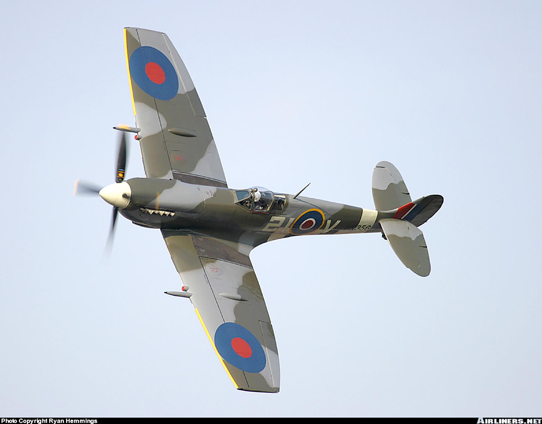 Airworthy Spitfire warbird MkIXe RCAF 443Sqn 2IV MK356 08