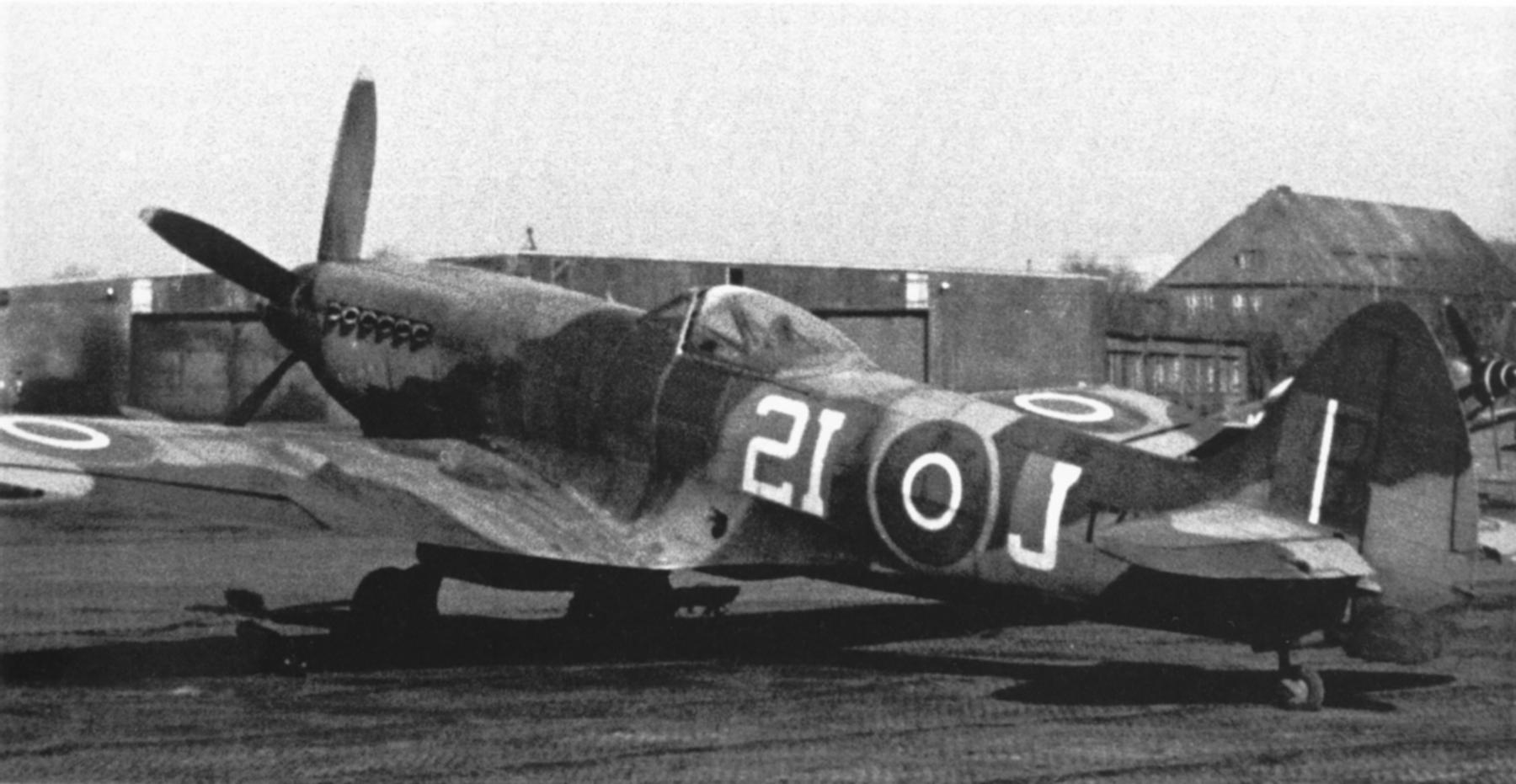 Spitfire XIV RCAF 443Sqn 2IJ 01