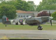 Asisbiz Airworthy Spitfire warbird MkIXe RCAF 443Sqn 2IV MK356 17