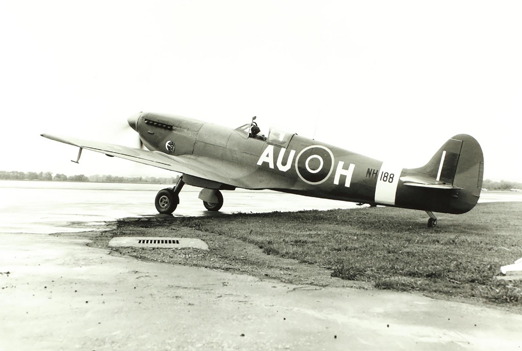 Spitfire LFIX RCAF 421Sqn AUH NH188 02
