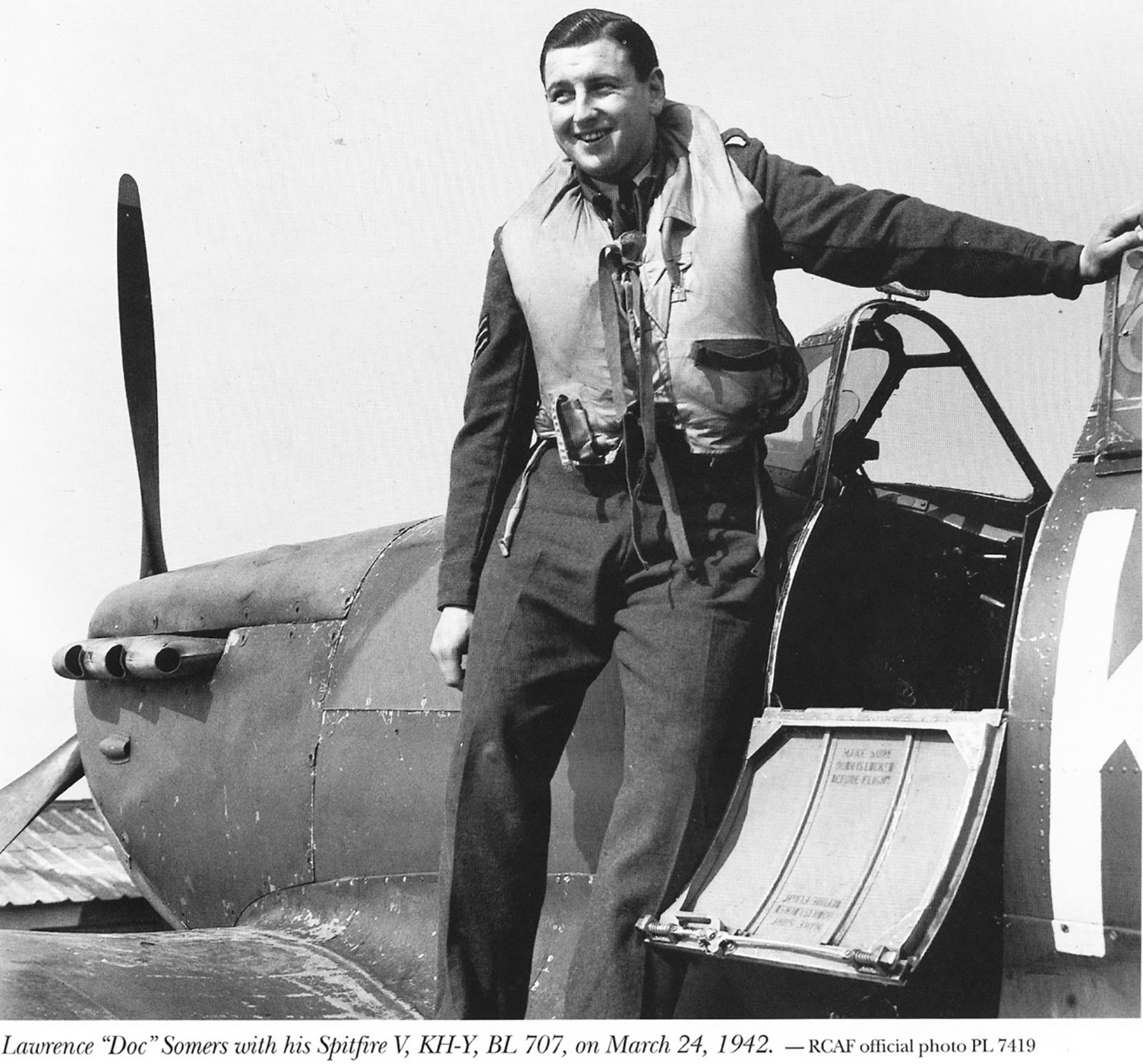 Spitfire MkVb RCAF 403Sqn KHY Lawrence Somers BL707 24th Mar 1942 01