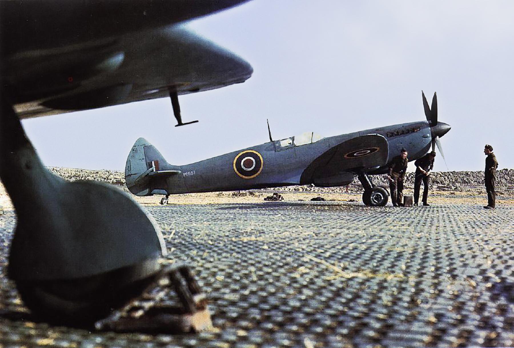 Spitfire PRIX RCAF 400Sqn PS831 B90 Petit Brogel Belgium Apr 1945 01