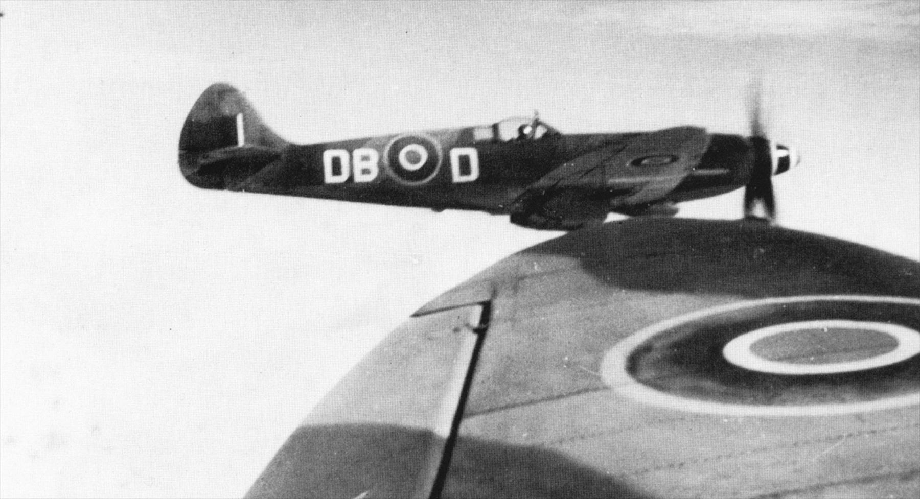 Spitfire-XIV-RCAF-411Sqn-DBD-postwar-occ