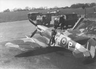 Asisbiz Spitfire LFIX RCAF 403Sqn KHP MJ664 Feb 1944 01
