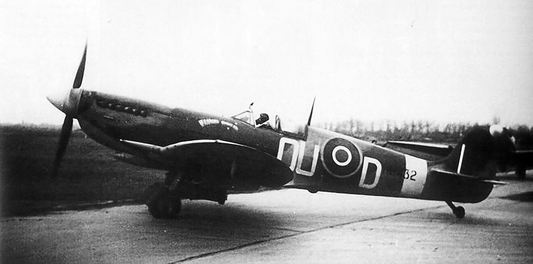 Spitfire LFIX RNZAF 485Sqn OUD NH432 was later destroyed in air raid 1st Jan 1945 01