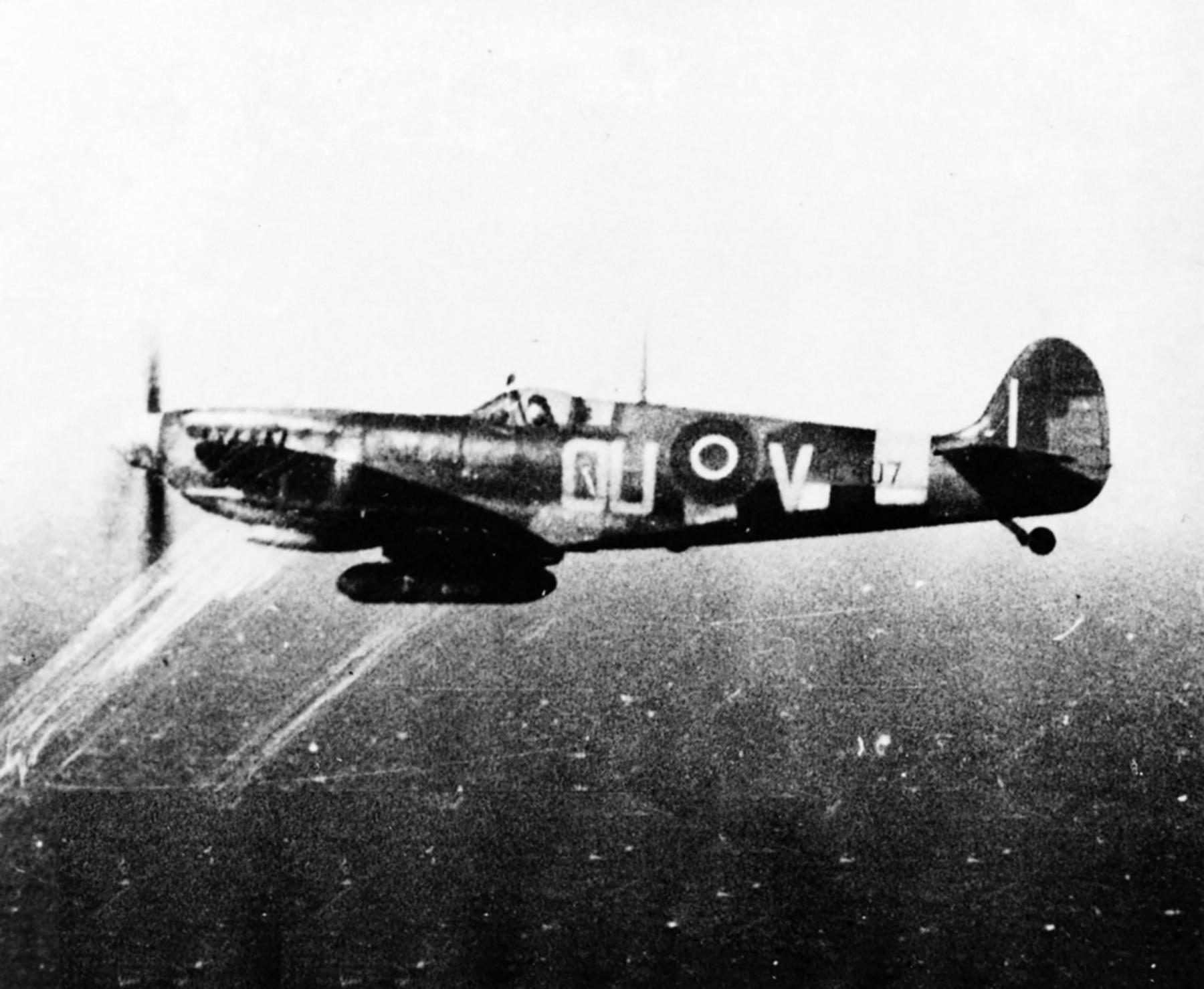 Spitfire MkIX RNZAF 485Sqn OUV Johnnie Houlton ML407 Selsey 1944 01