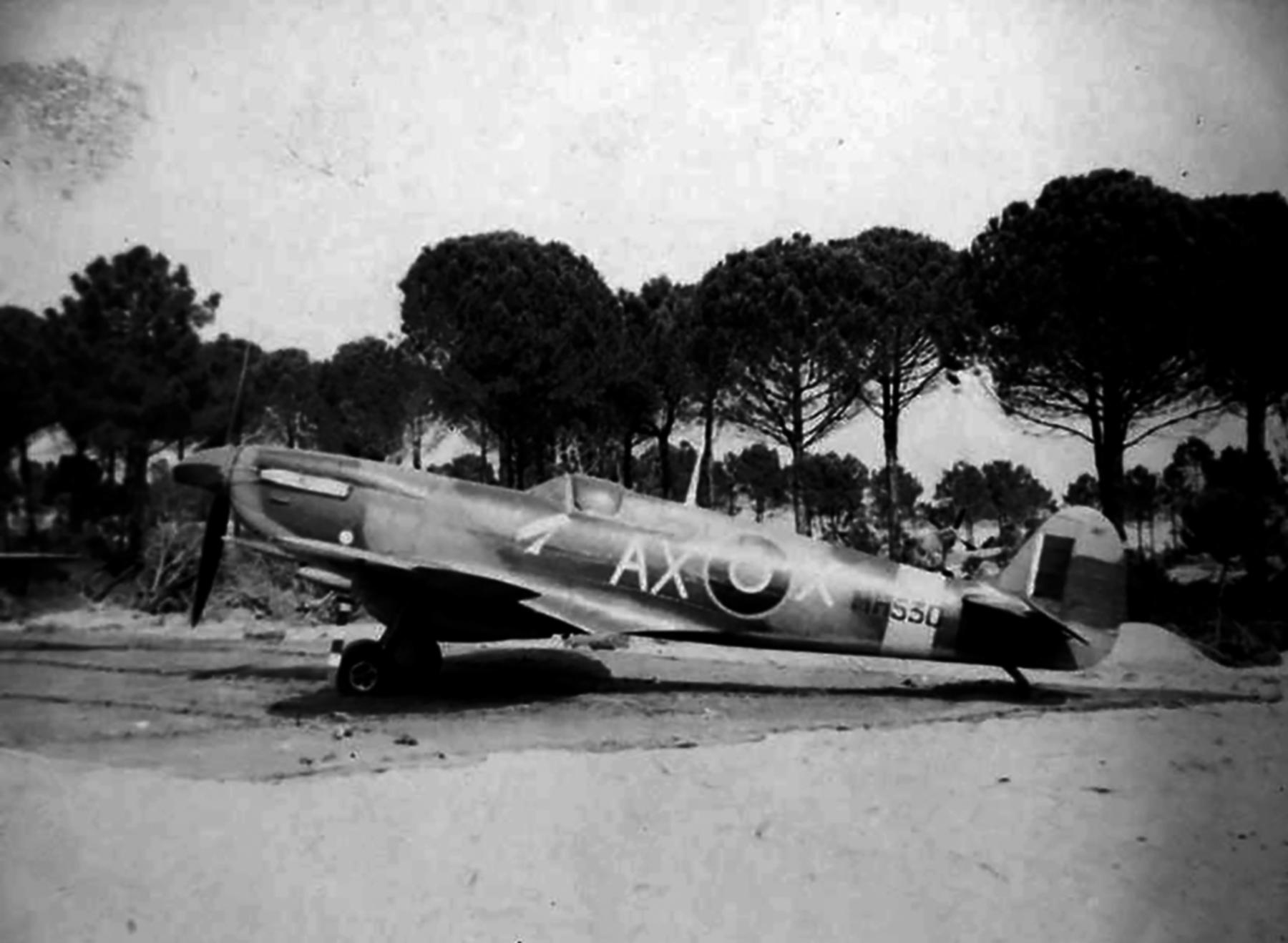 Spitfire LFIX SAAF 1Sqn AXX MH530 Italy 1943 01