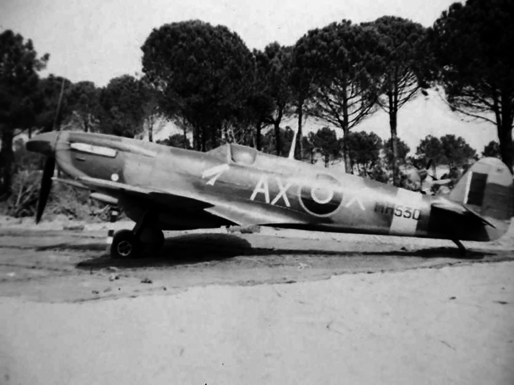 Spitfire LFIX SAAF 1Sqn AXX MH530 Italy 1943 02