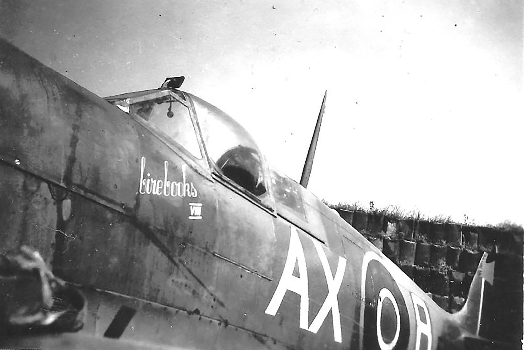 Spitfire MkIX SAAF 1Sqn AX8 Robbie Robinson EN286 Luqa Malta Jun 1943 04