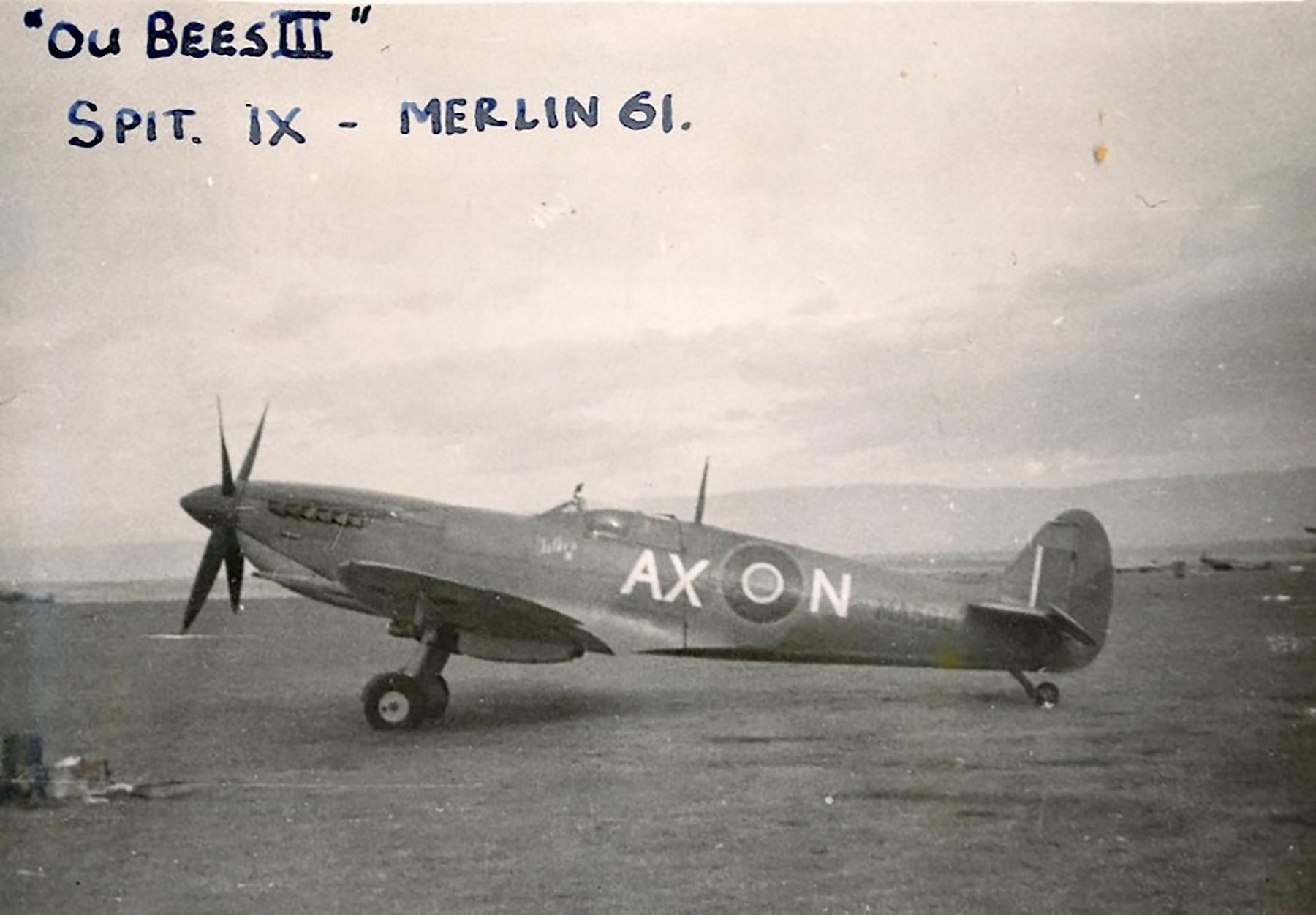 Spitfire MkIX SAAF 1Sqn AXN MA580 Italy 1943 01