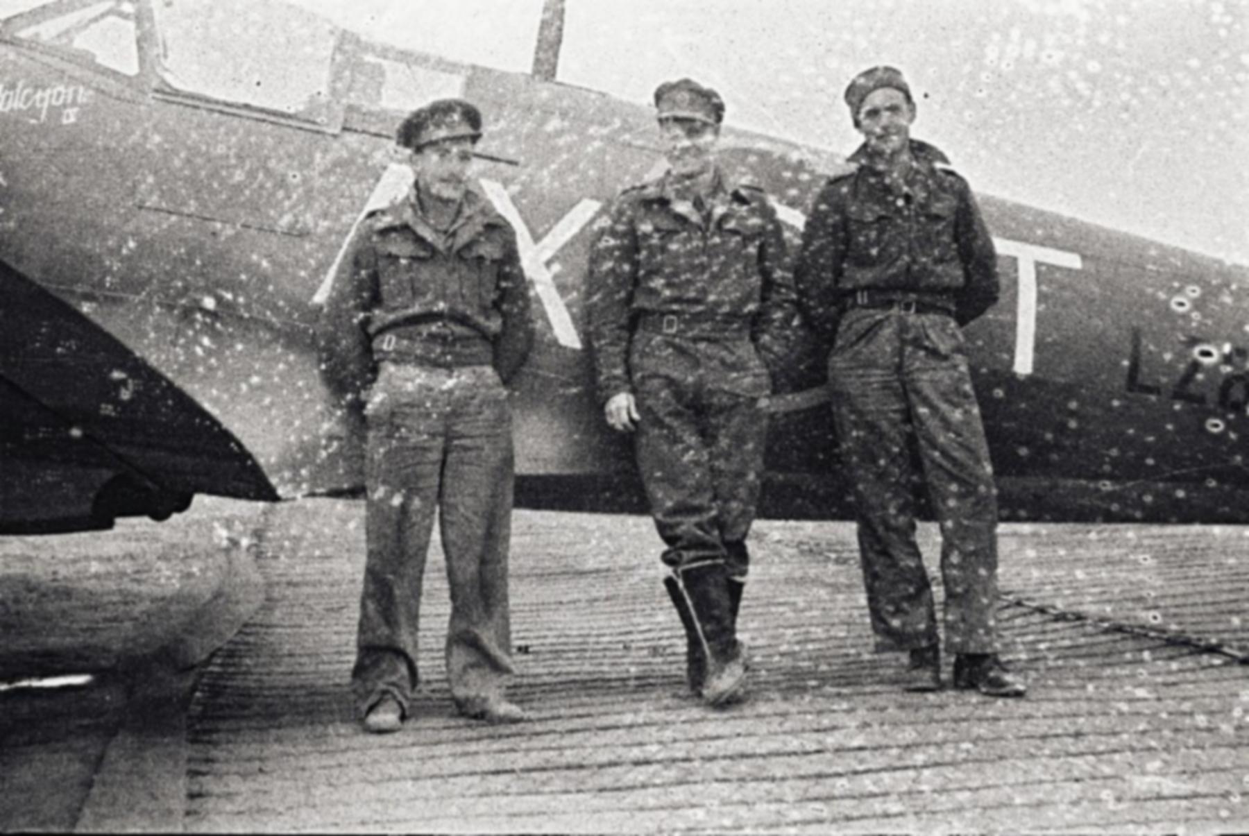 Spitfire MkIX SAAF 1Sqn AXT LZ896 Italy 1943 01
