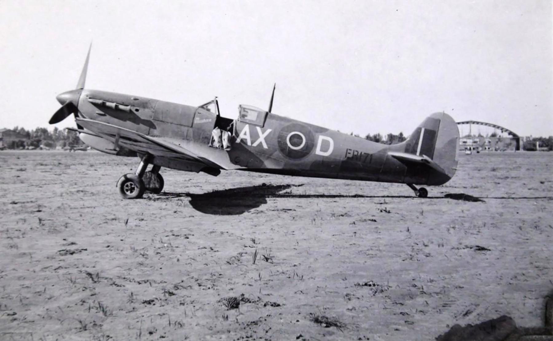 Spitfire MkVbTrop SAAF 1Sqn AXD ER171 Goubrine Tunisia 1943 01
