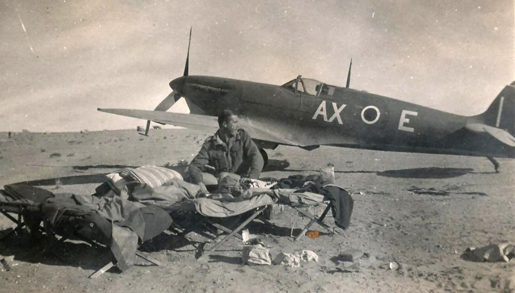 Spitfire MkVbTrop SAAF 1Sqn AXE EP652 1943 03