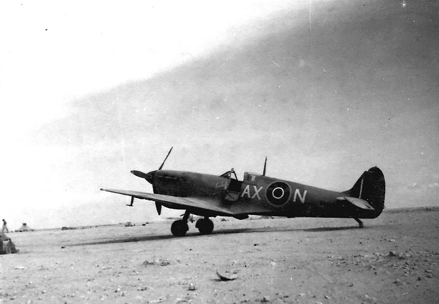Spitfire MkVbTrop SAAF 1Sqn AXN ER214 Tunisia 1943 02