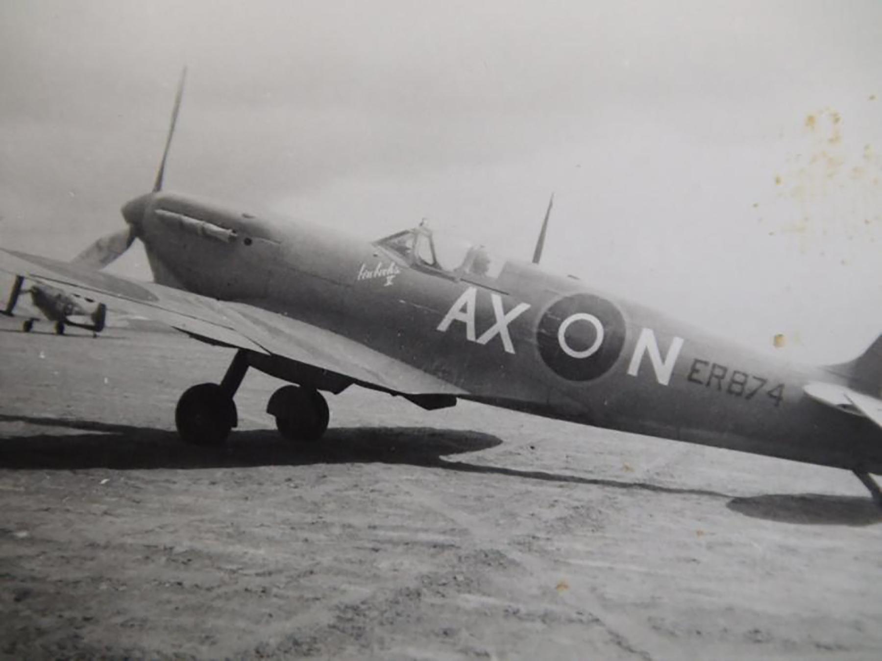 Spitfire MkVbTrop SAAF 1Sqn AXN ER874 Goubrine Tunisia 1943 03