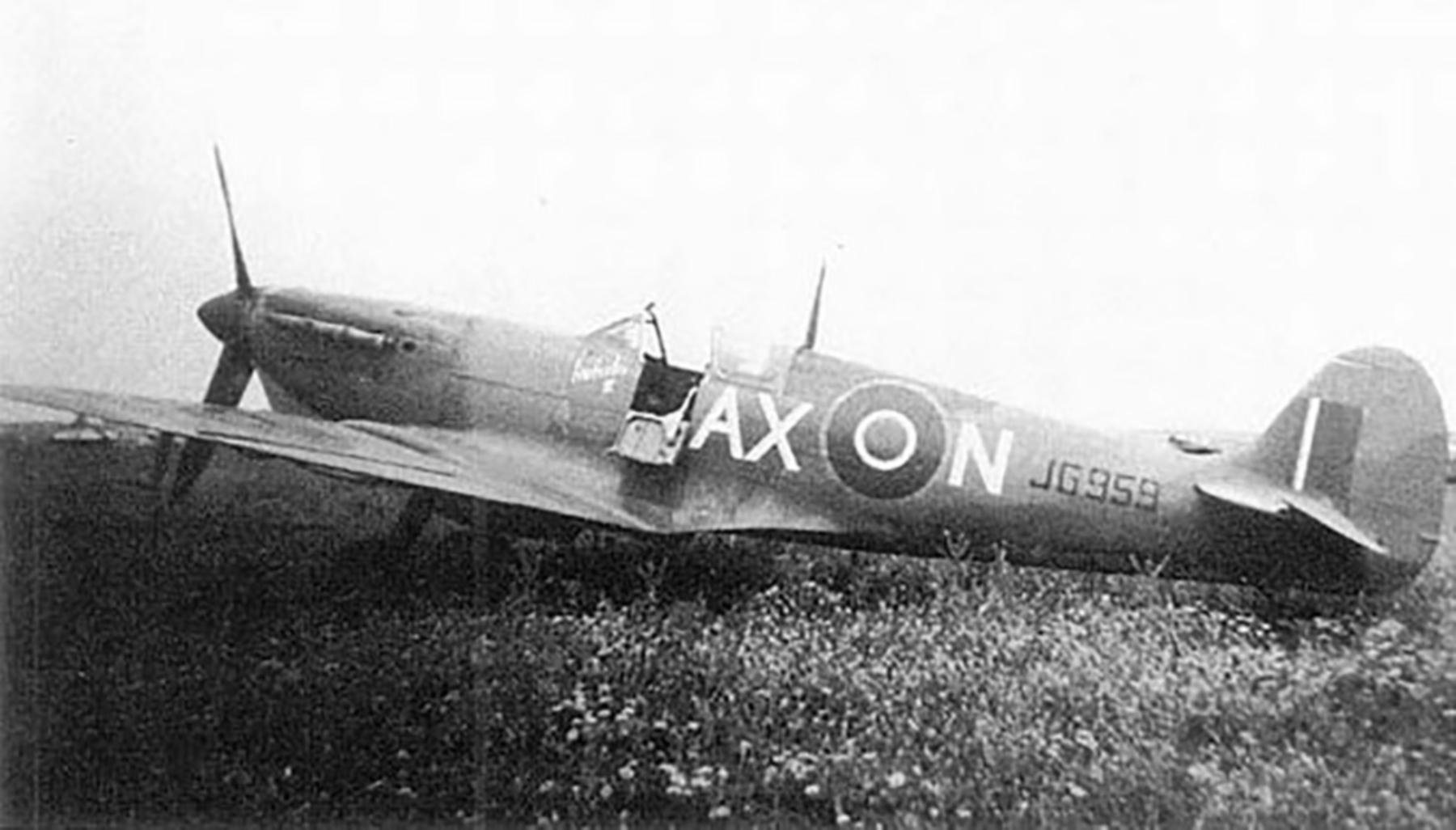 Spitfire MkVcTrop SAAF 1Sqn AXN JG959 Tunisia 1943 03