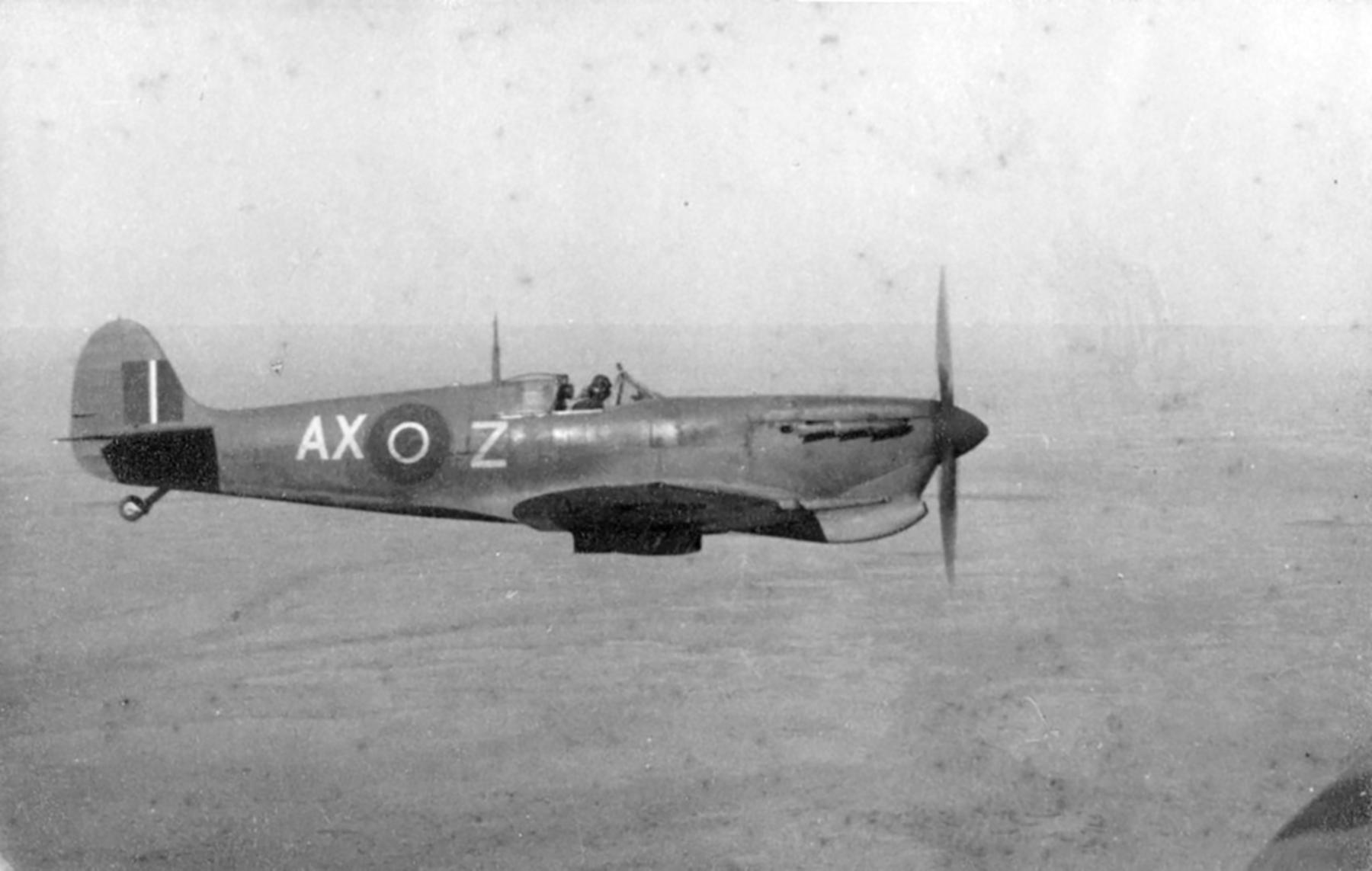 Spitfire MkVcTrop SAAF 1Sqn AXZ BP982 Italy 1943 02