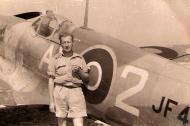 Asisbiz Spitfire MkVIII SAAF 1Sqn AX2 JF4XX Italy 1943 01