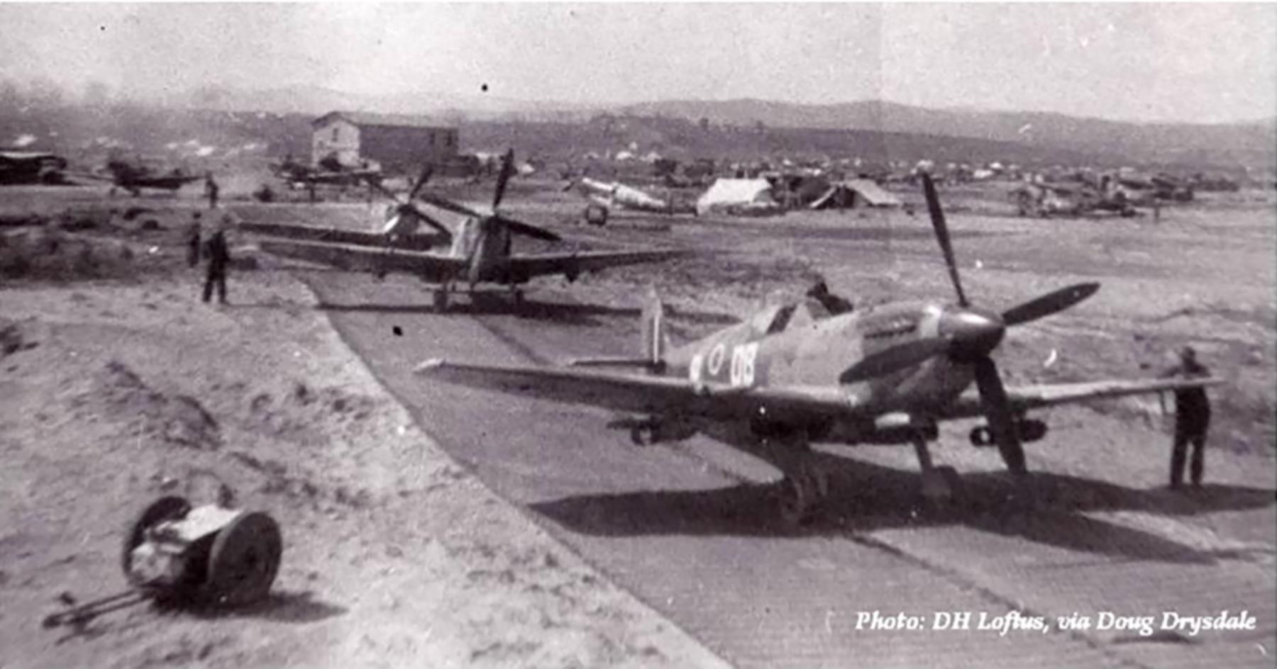 Spitfire MkIX SAAF 2Sqn DBx Italy 1943 01
