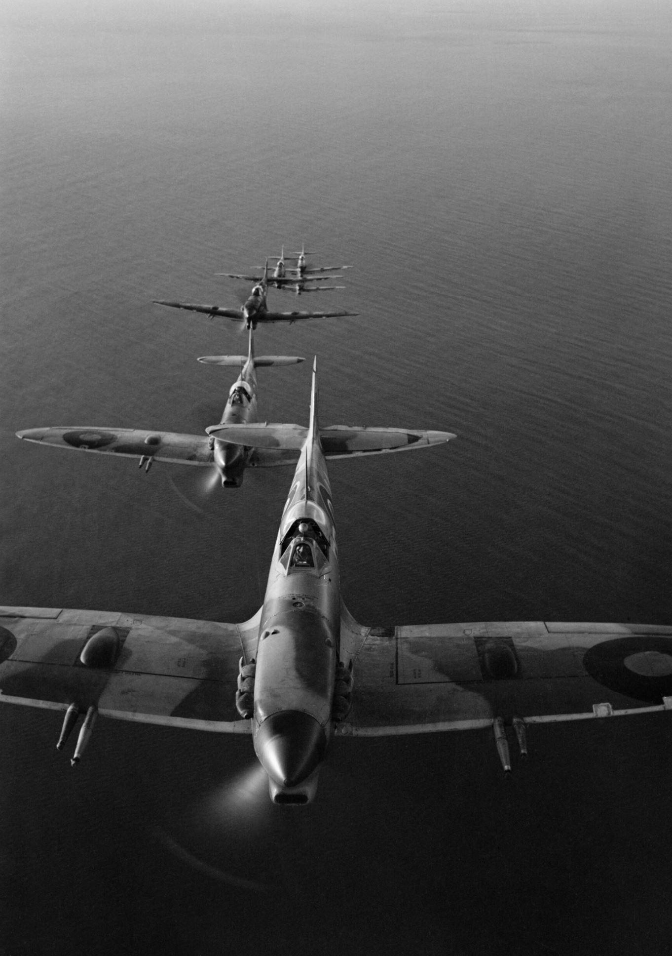 Spitfire MkVcTrop SAAF 2Sqn DBH on mission to Sangro River battlefront Oct 1943 IWM CNA2102