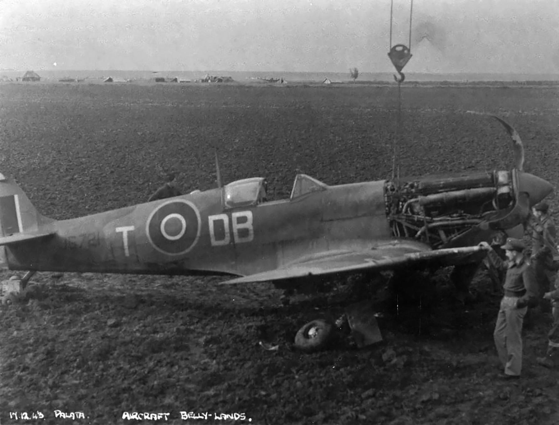 Spitfire MkVcTrop SAAF 2Sqn DBT JG721 Palata Italy 17th Dec 1943 01