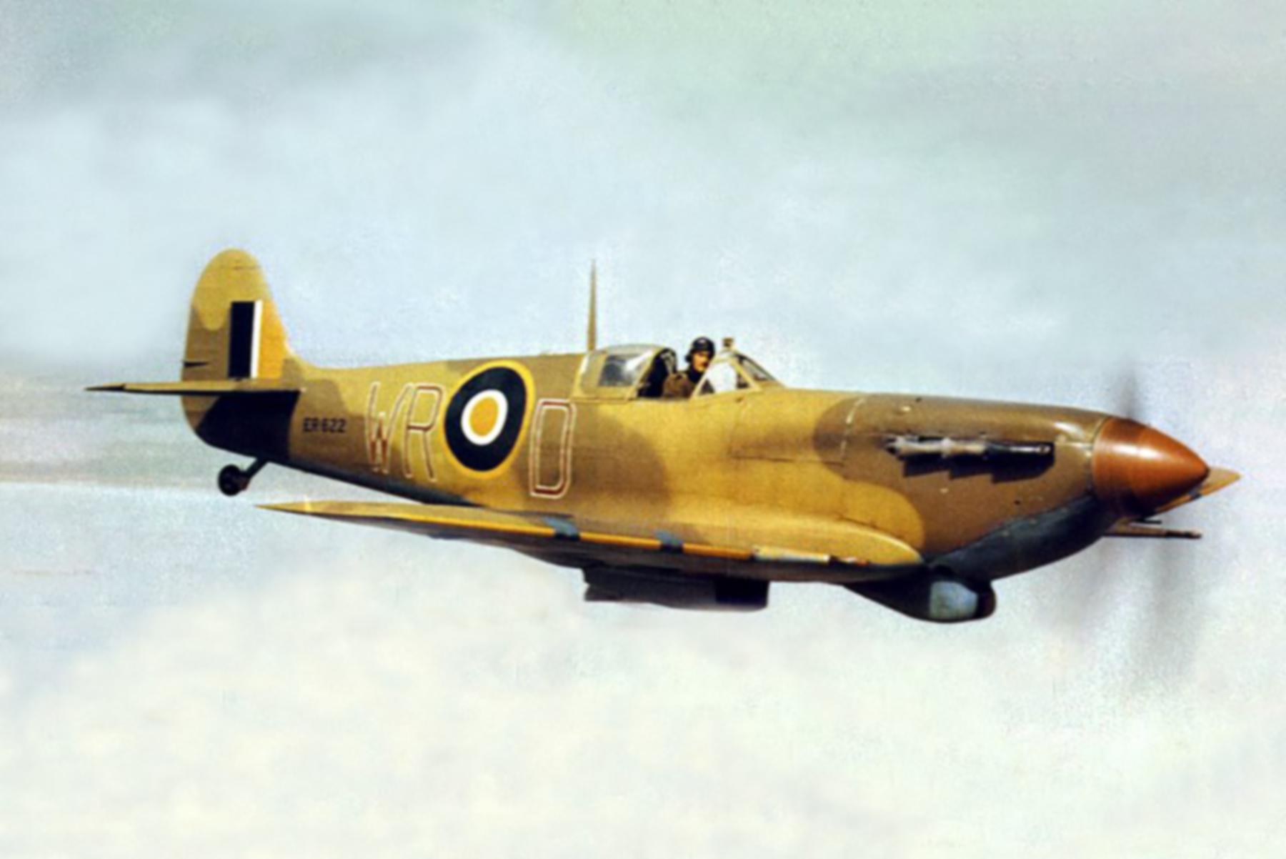 Spitfire LFVb SAAF 40Sqn WRD ER622 over the gulf of Gabes in Tunisia 1943 01