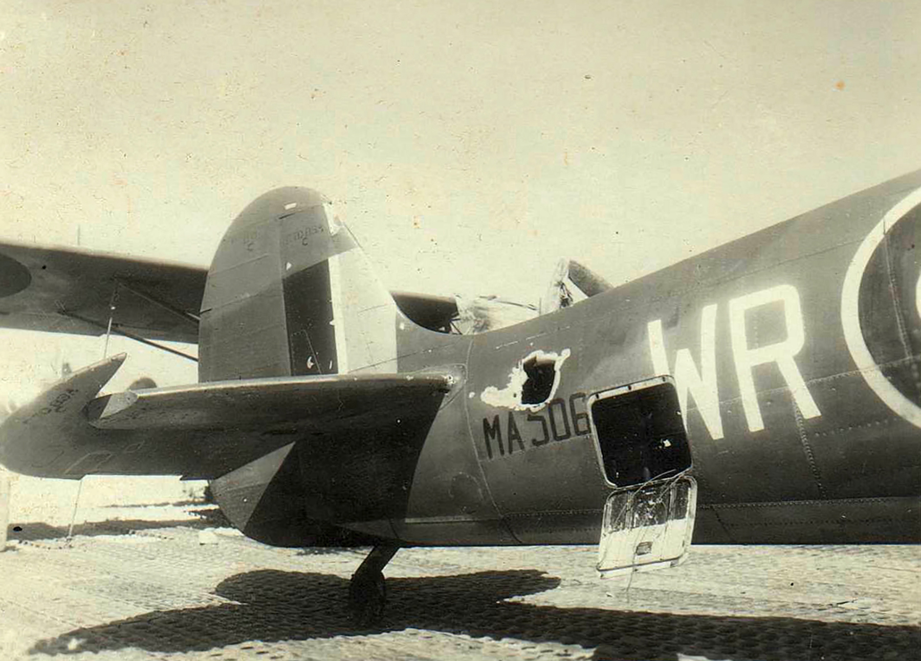Spitfire MkIX SAAF 40Sqn WRF MA506 Italy 1944 01