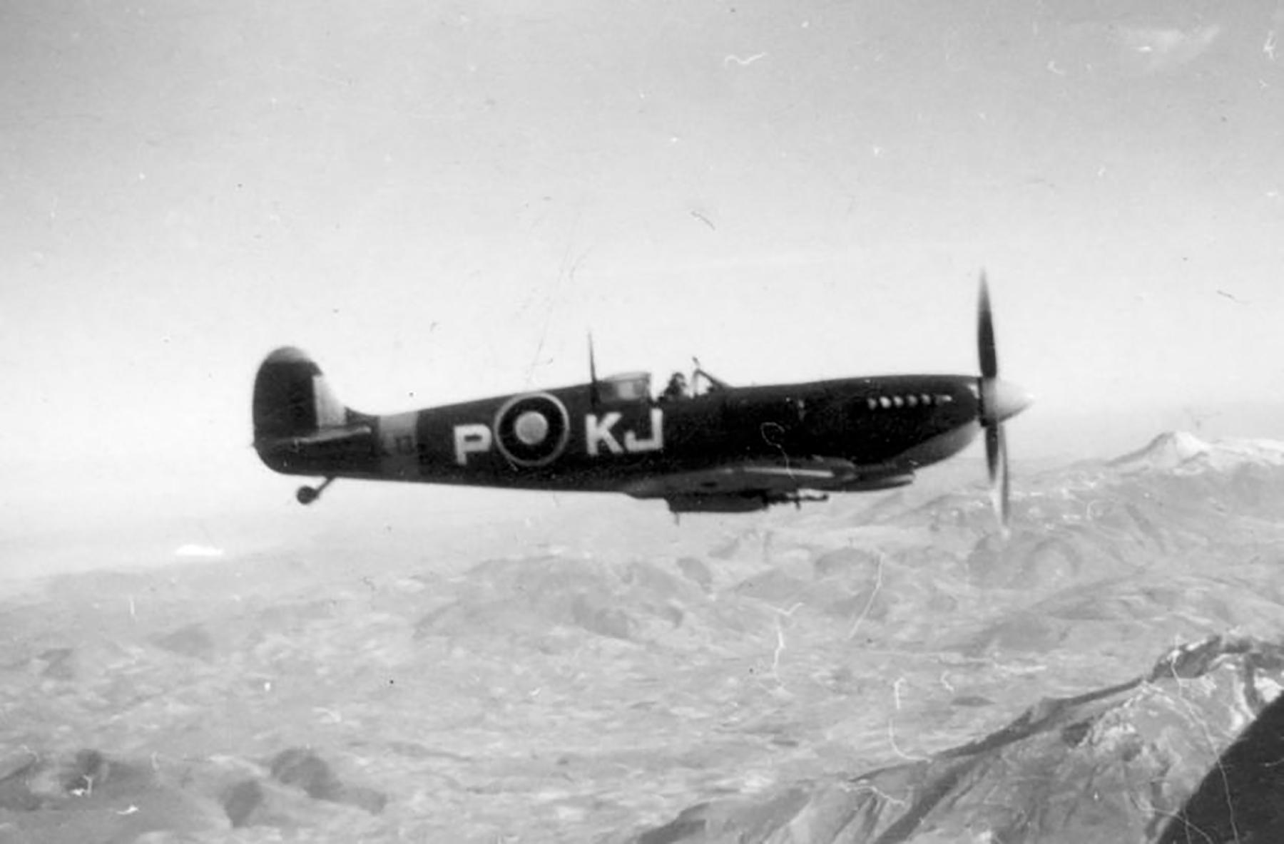 Spitfire LFIX SAAF 4Sqn KJP Italy 1945 01