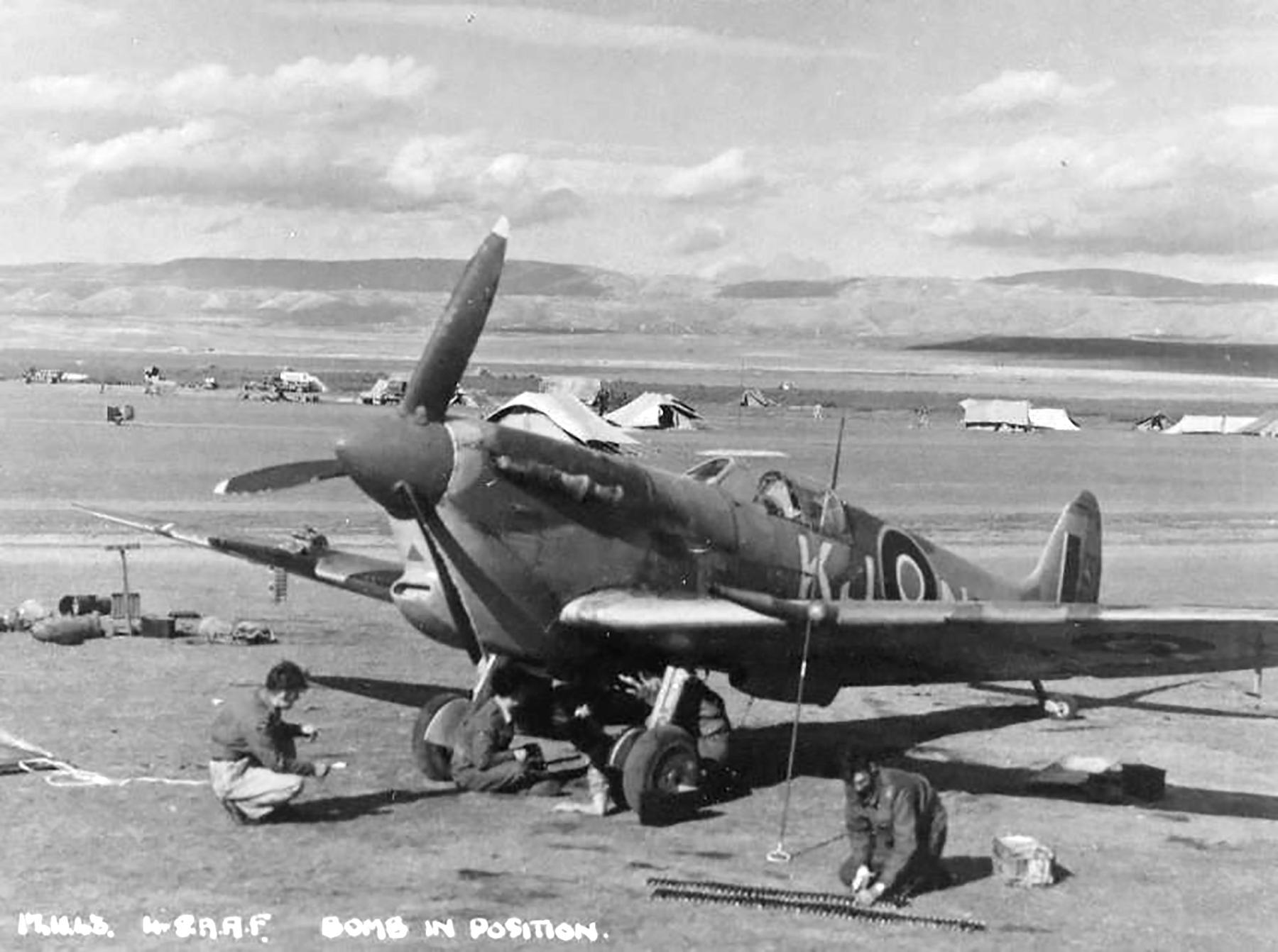 Spitfire MkVcTrop SAAF 4Sqn KJN Sicily Italy 1943 01