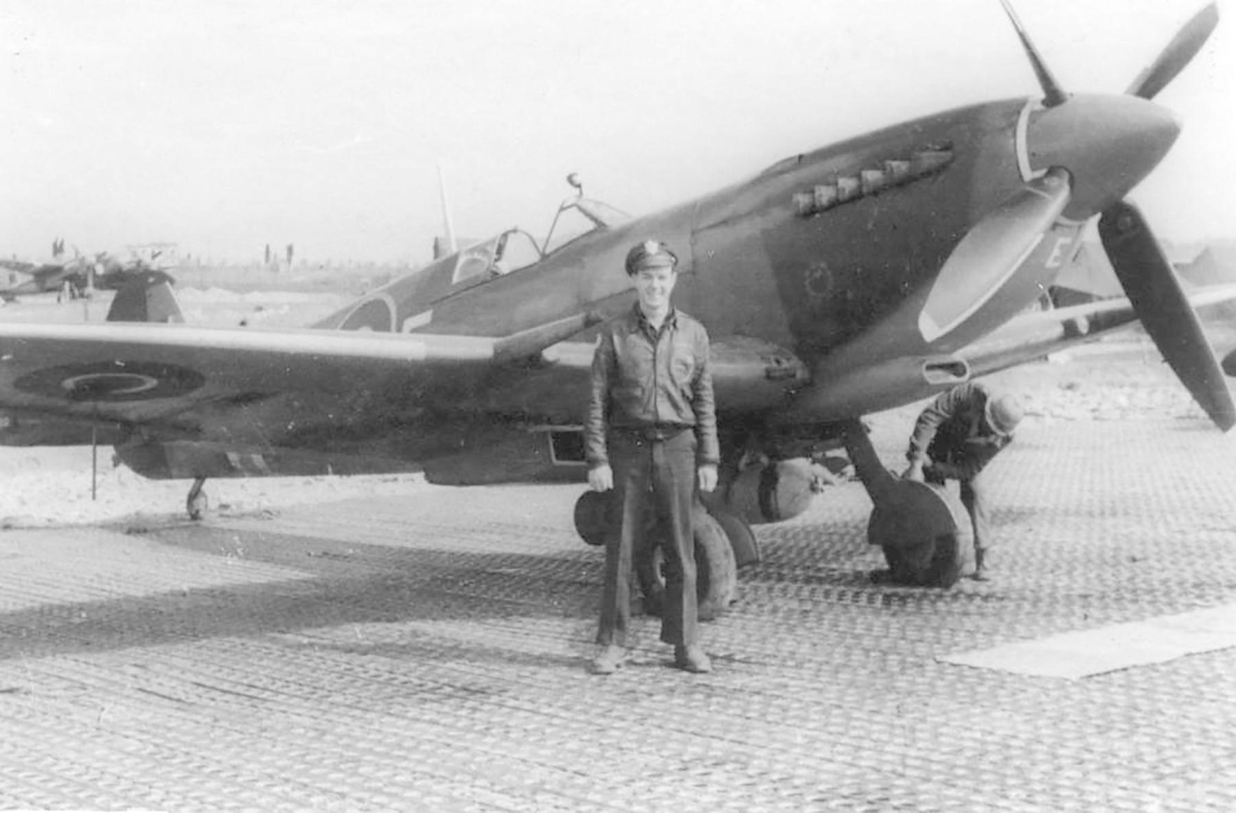 Spitfire MkIX SAAF 3Sqn CAE 01